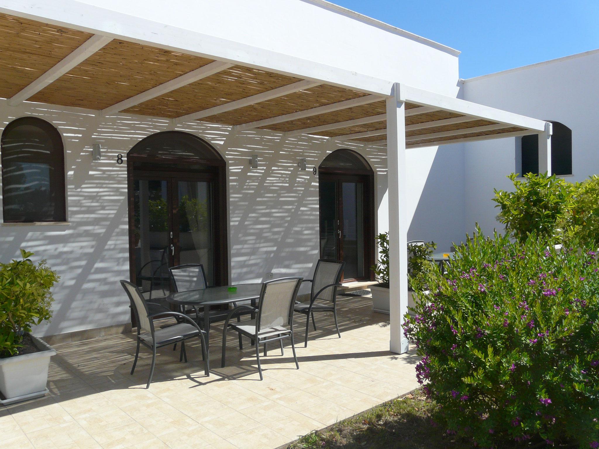 Lecce 8 - Terrasse avec pergola