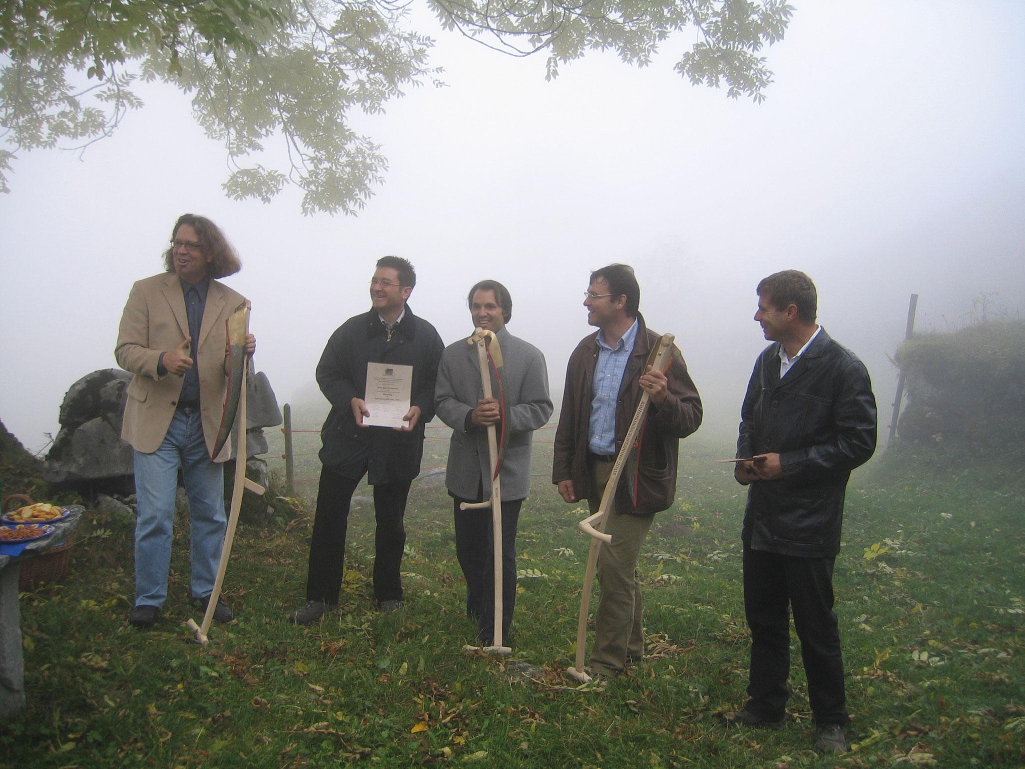 Gute Stimmung bei der Trägerschaft (v.li.): Marco Caluori (Alpenregion), Stefan Otz (TOI), Samuele Salm (Grindelwald Tourismus), Peter Lehner (WMLT), Christoph Ammann (Regionalplanung OO)