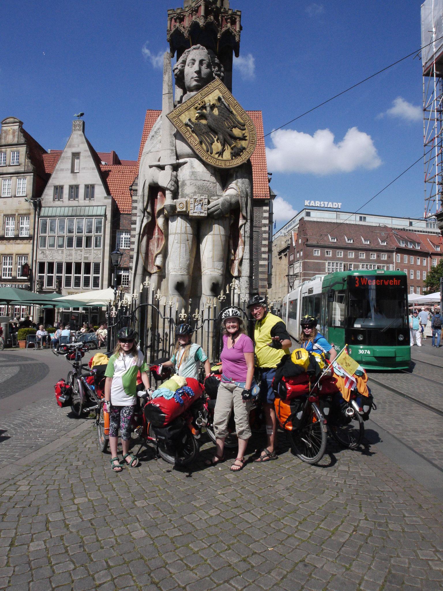 Bremen, vor dem Roland, kurz vor Nordsee