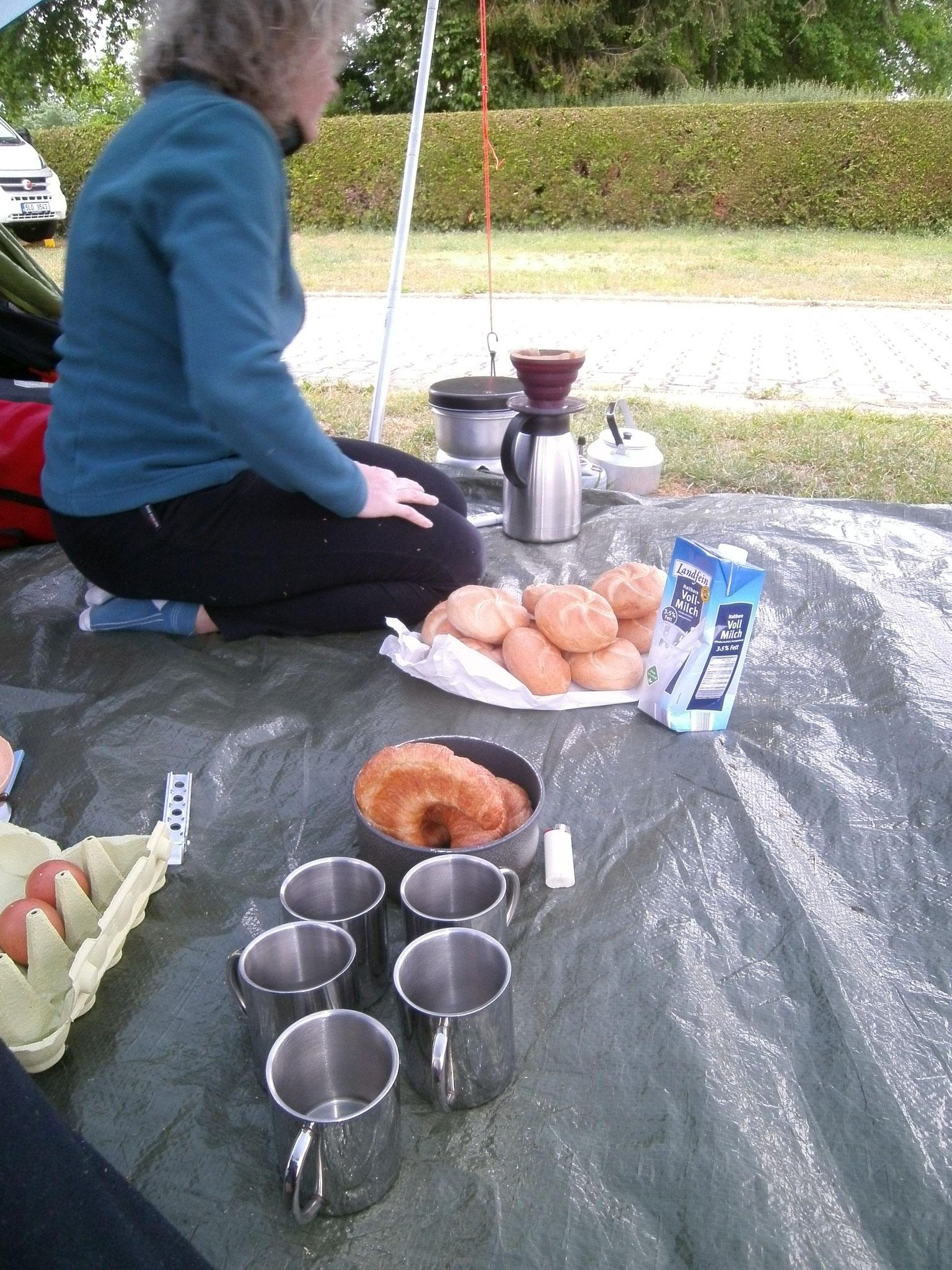 Erstes Frühstück in Leichendorf