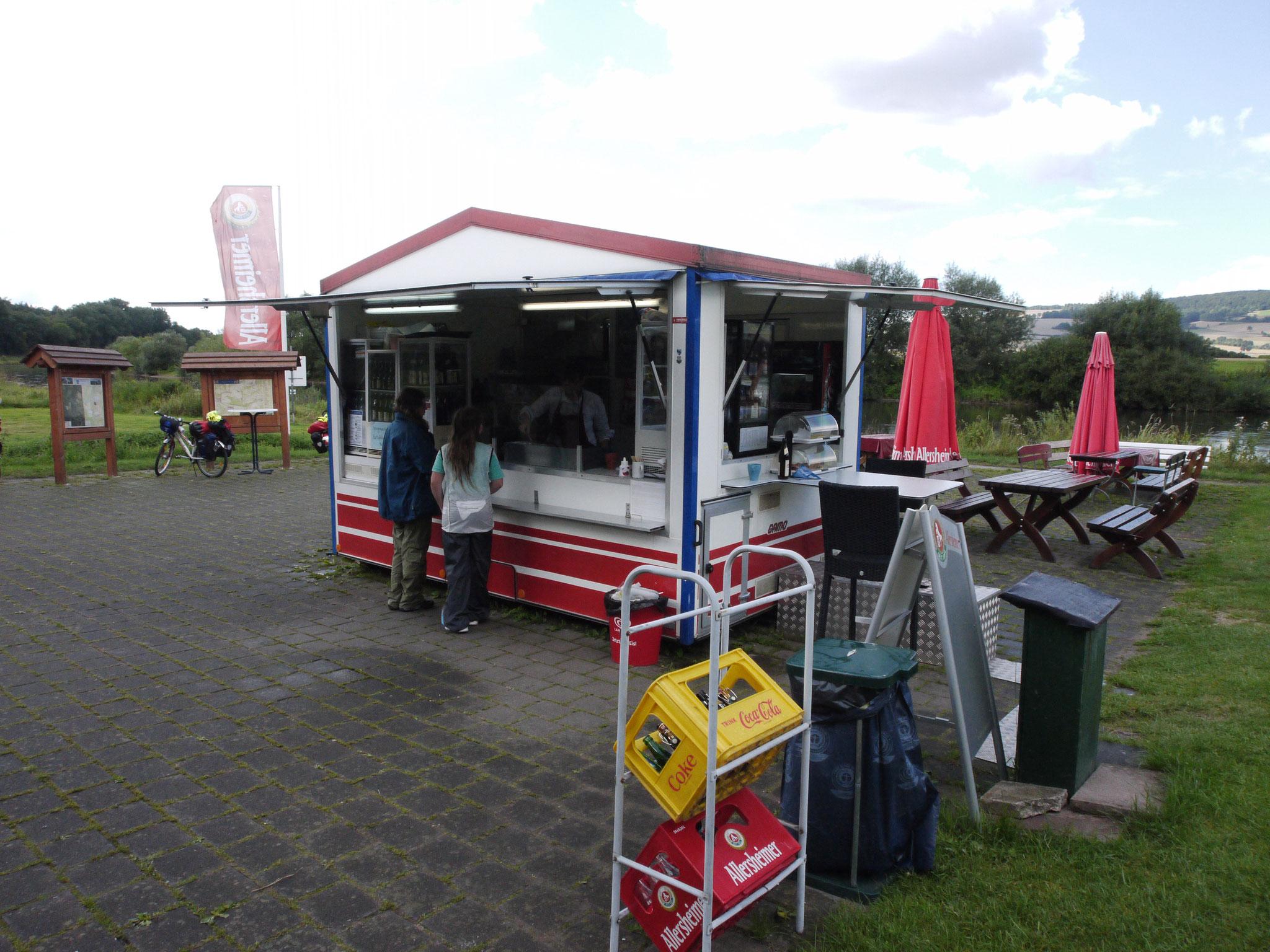Radlerparadies Reileifzen, Imbiss an der Weser