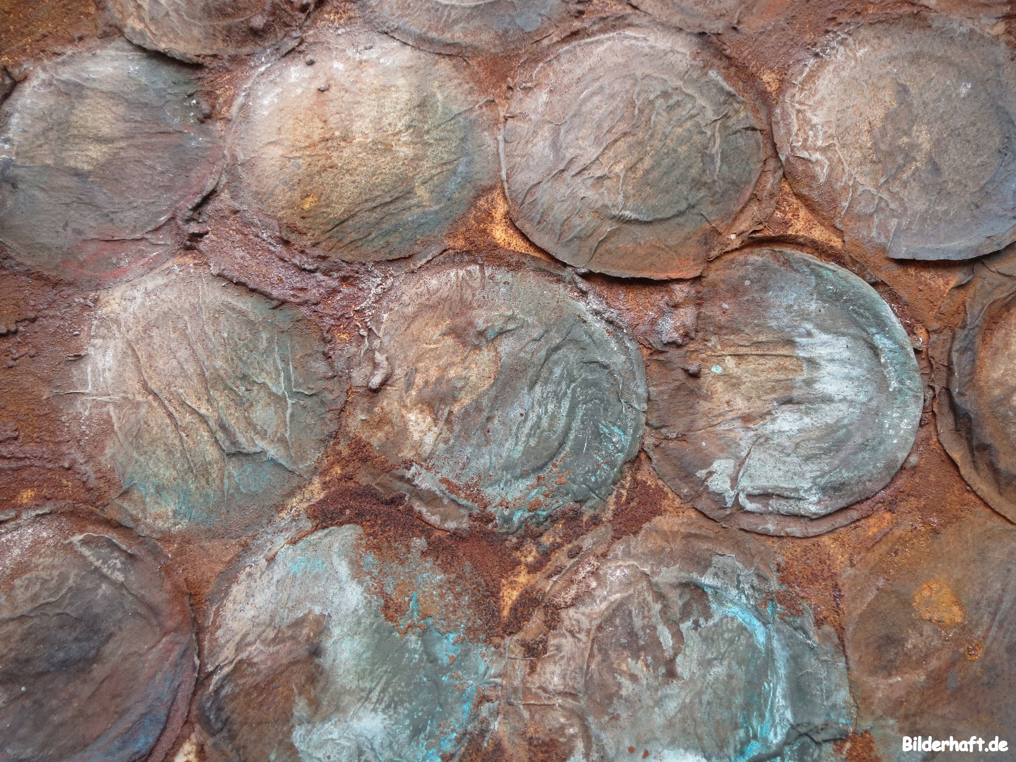 Detailansicht Rostige Rumkugeln