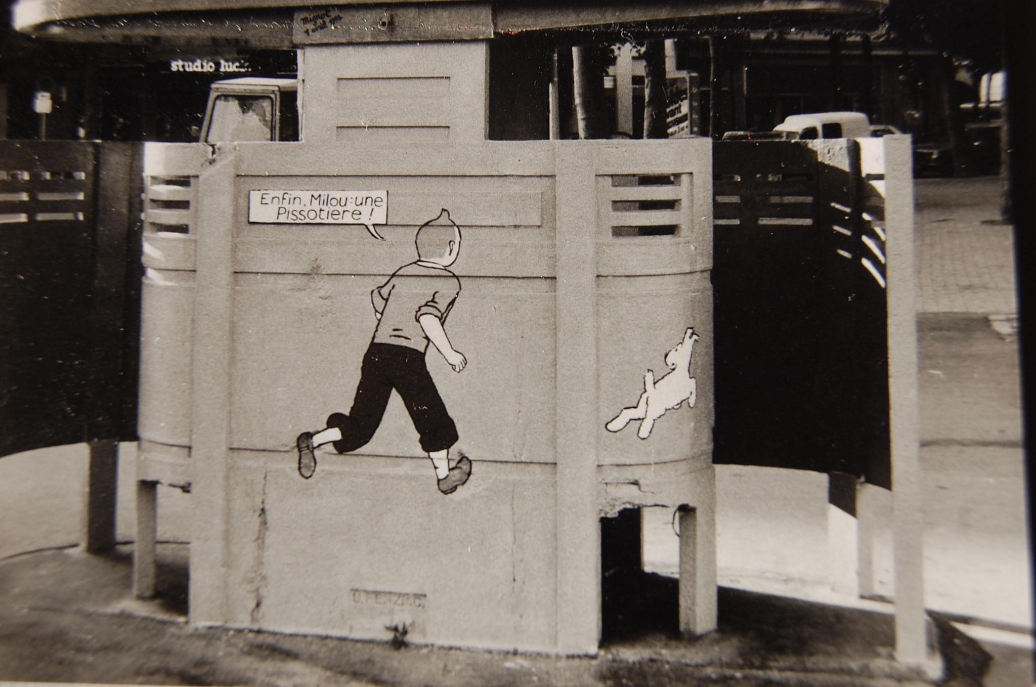 Pissotière peinte par Gérard Mignot dans la nuit du 31 mars au 1er Avril 1984, 15 boulevard de la Croix-Rousse