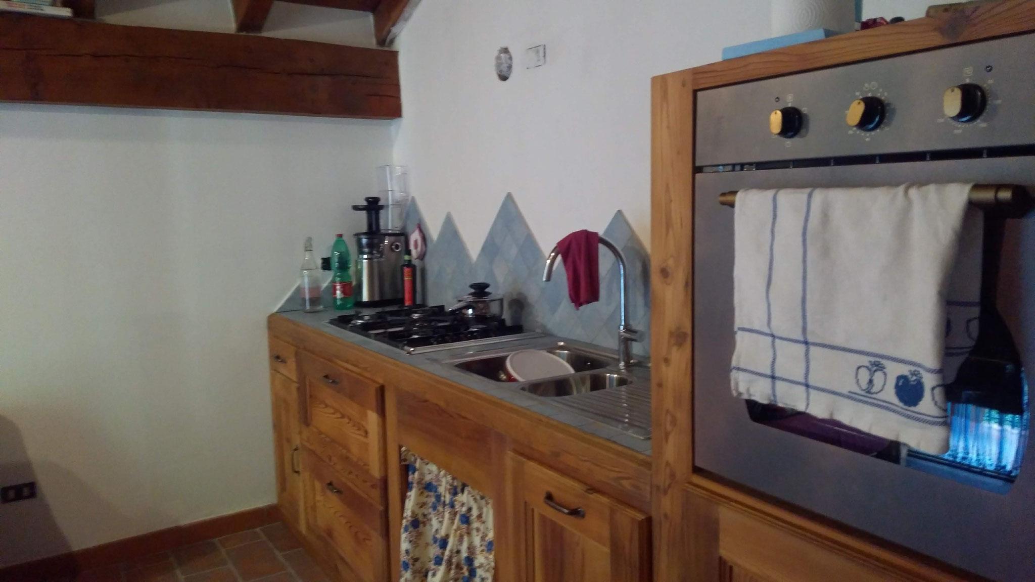 Realizzazione cucina in larice antico