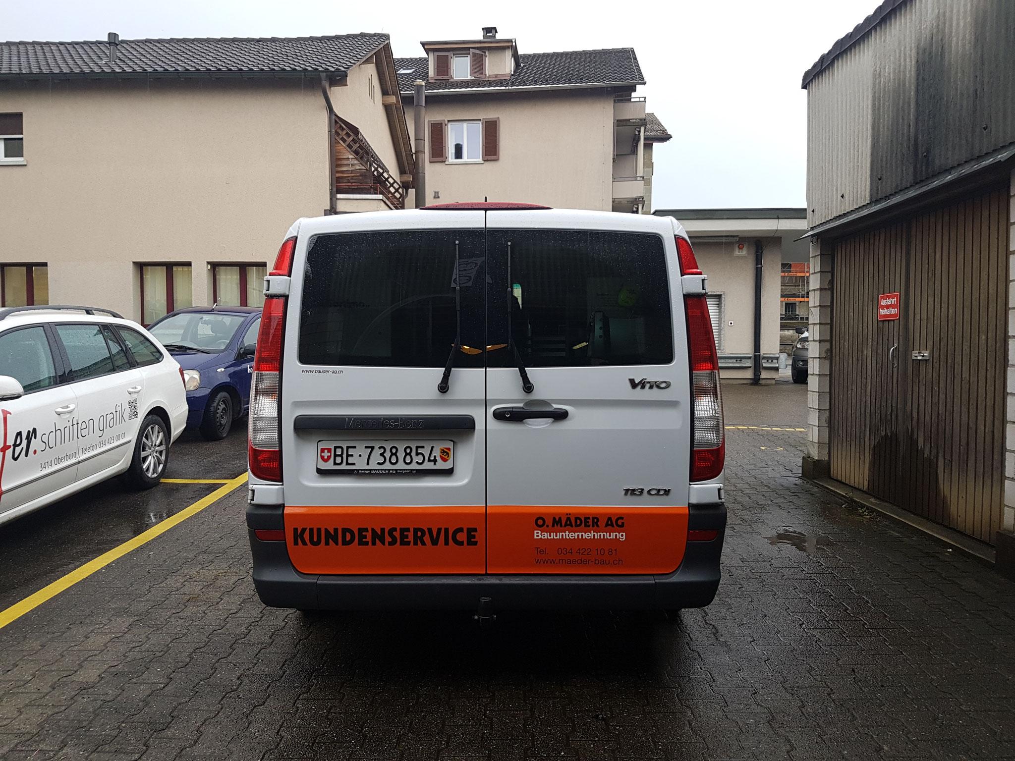 Teilfolierung - Kundenservice-Fahrzeug Firma Mäder Bau, Oberburg