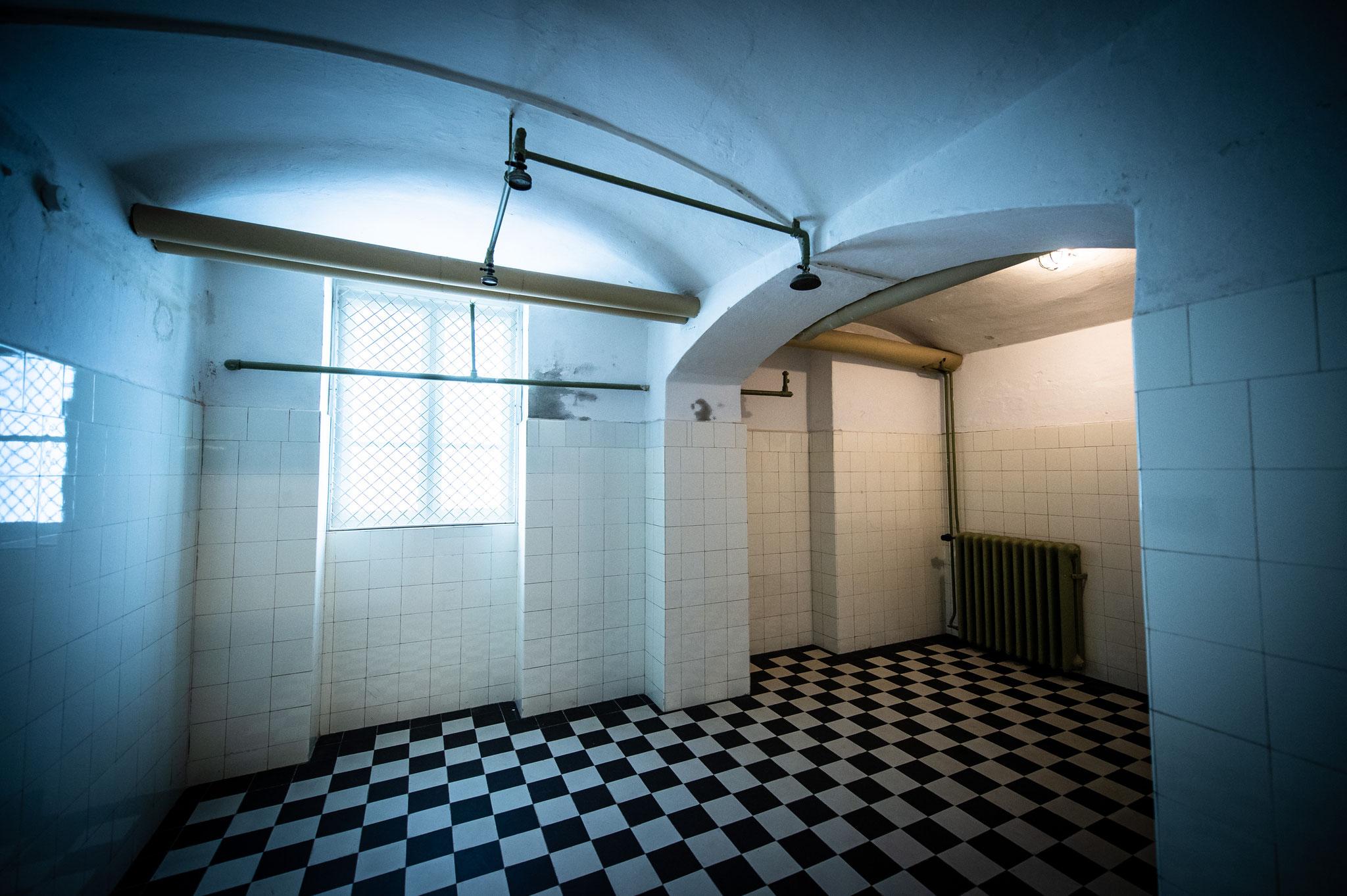 Gaskammer mit Lichtinstallation  © BERGZWO / André Stoeriko