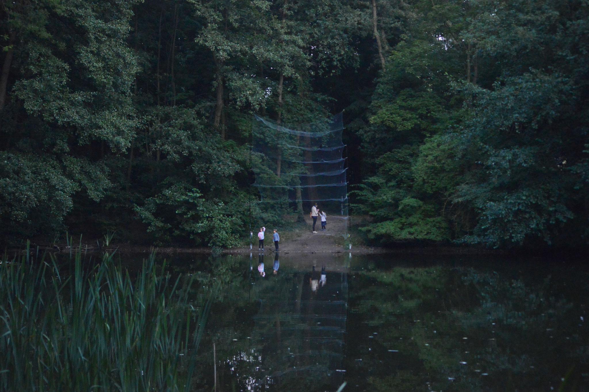 Fangnetz am Hellpfühleteich, Foto: H. Roth