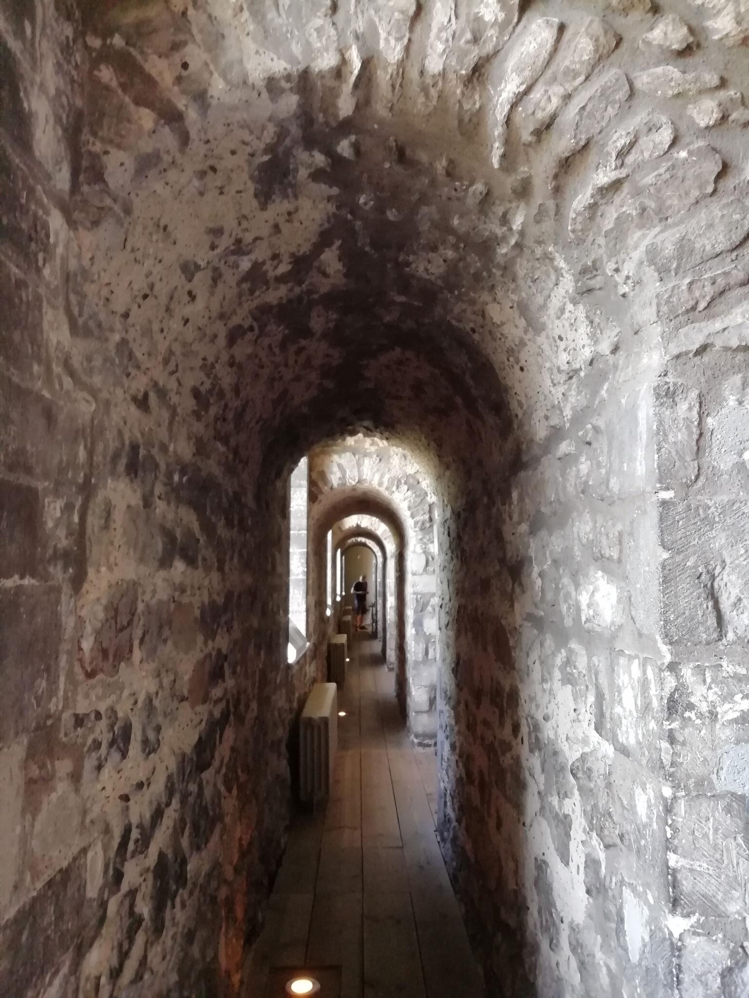Umgeben von jahrhundertealten Mauern - faszinierend!