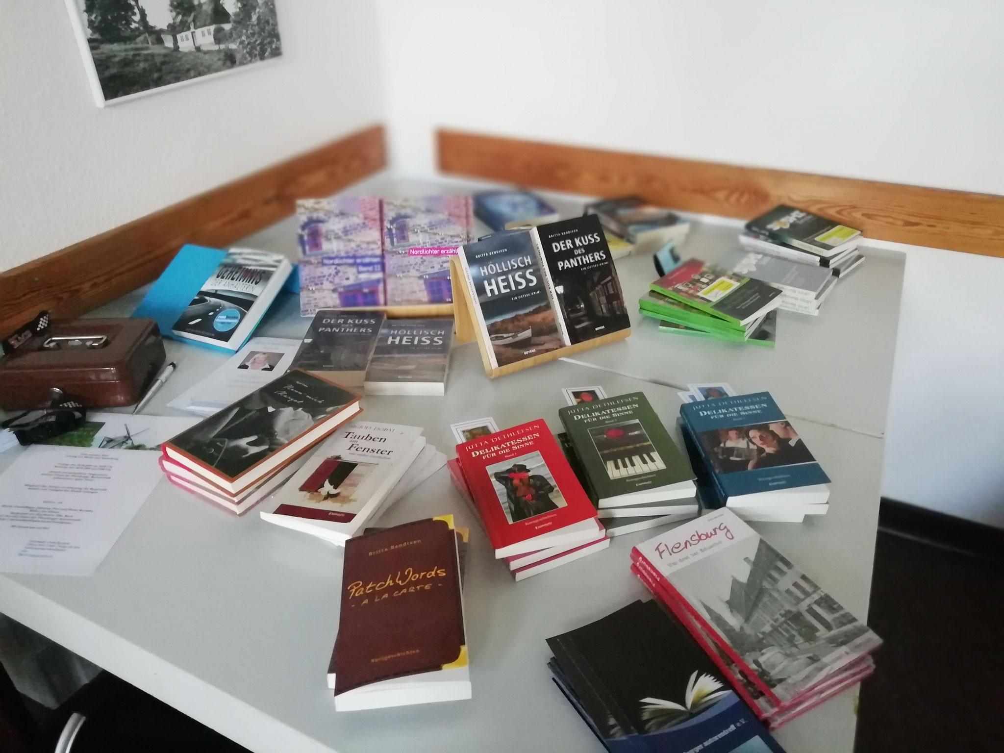 Unser Büchertisch war vor allem in der Pause ein Anlaufpunkt