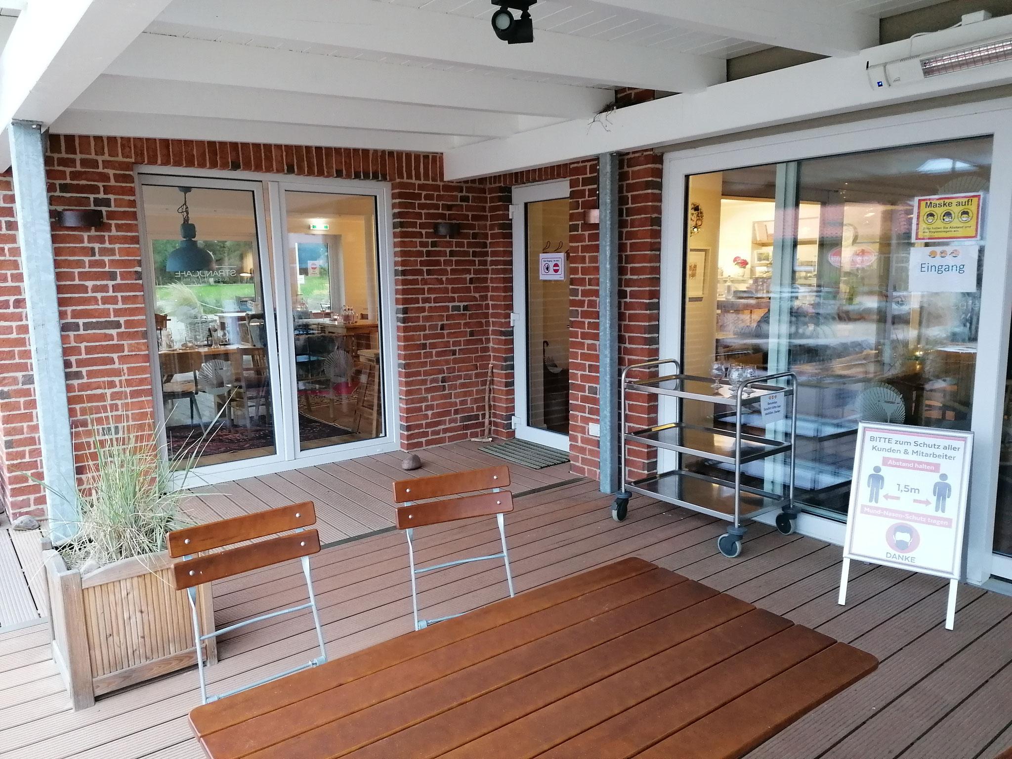 Die herrlich gelegene Location - das Strandcafé in Holnis