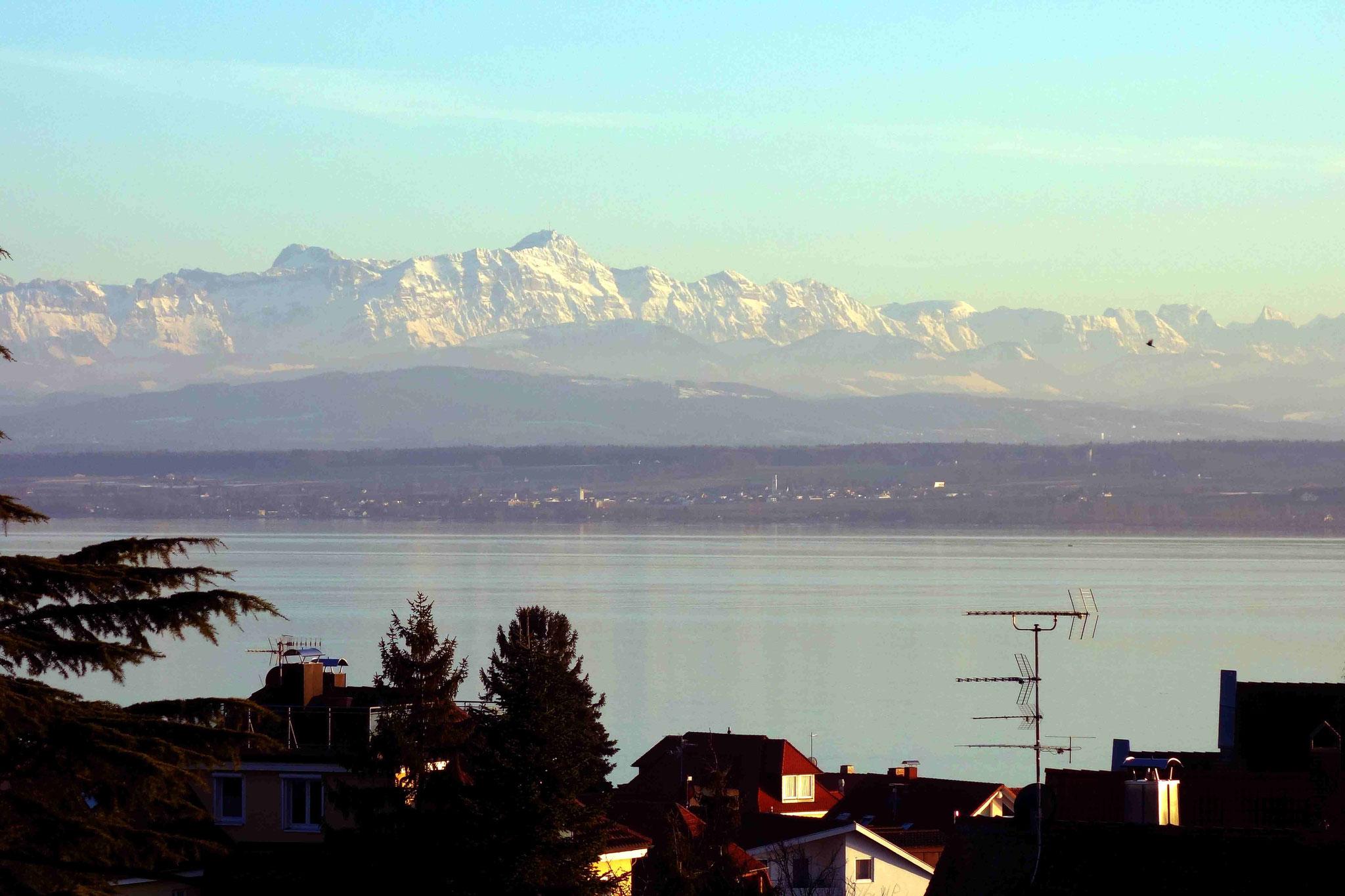 Herrlicher See- und Alpenblick