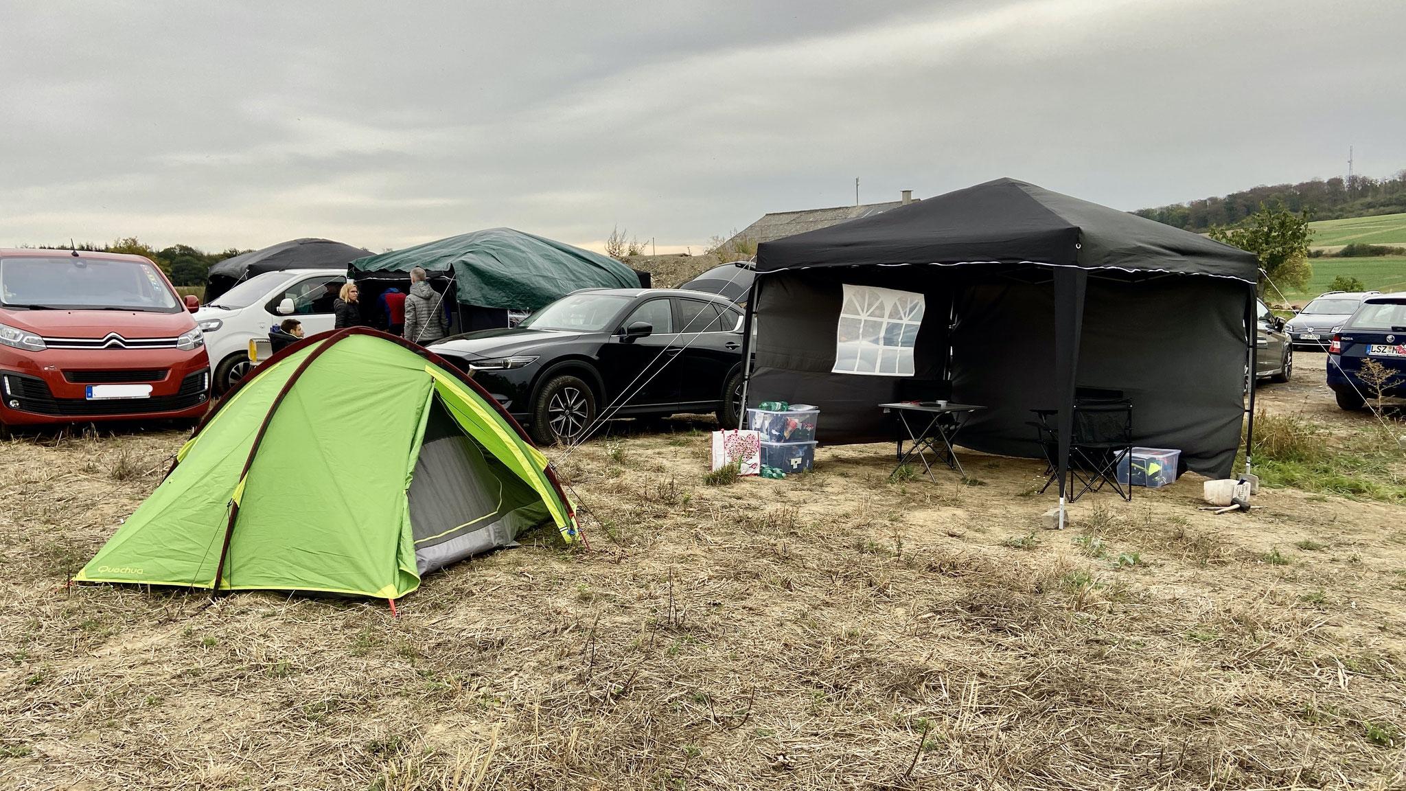 Pavillon und Zelt für die Pausen