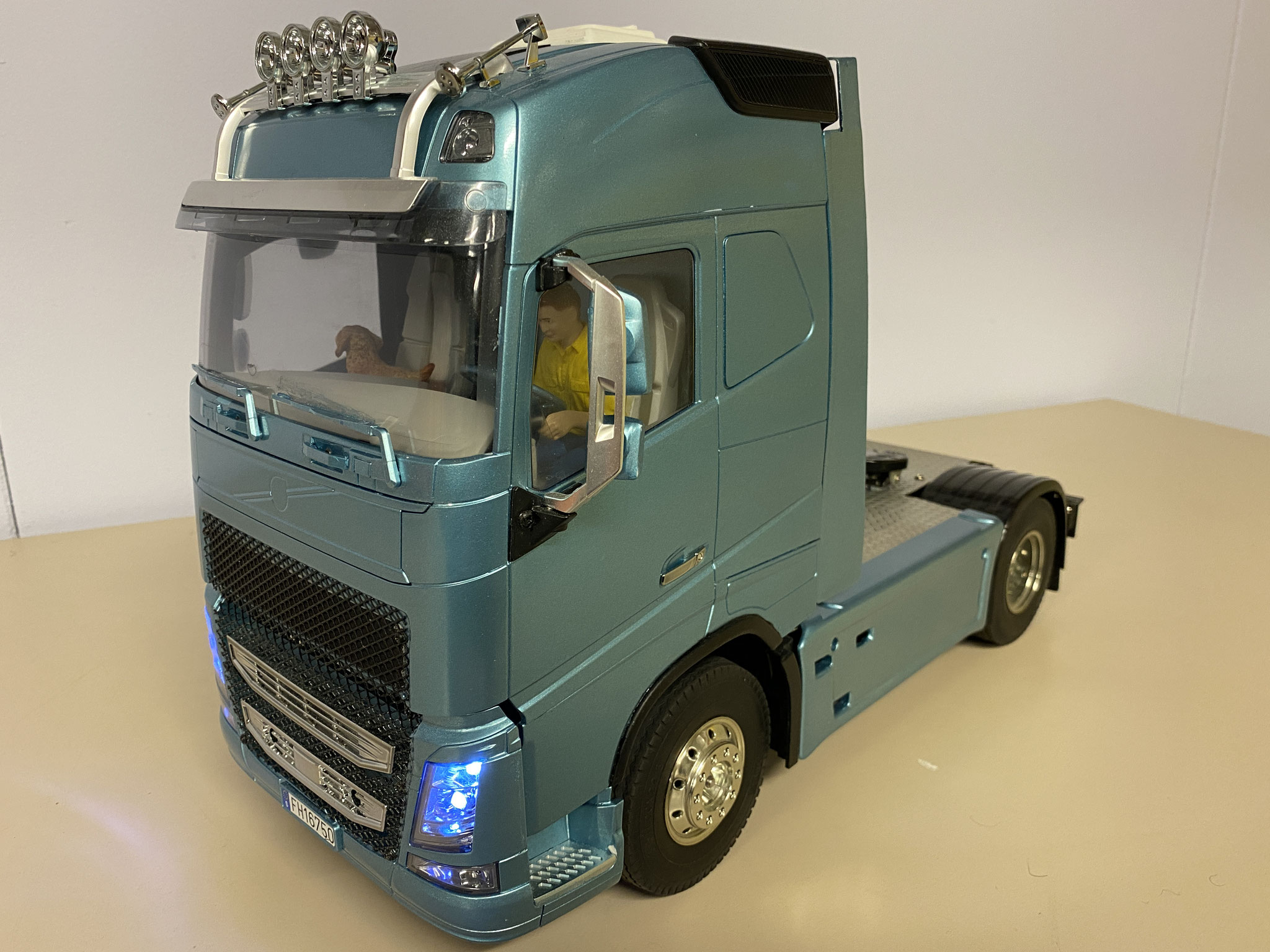 Volvo FH16 Globetrotter 750 4x2 custom Verkocht