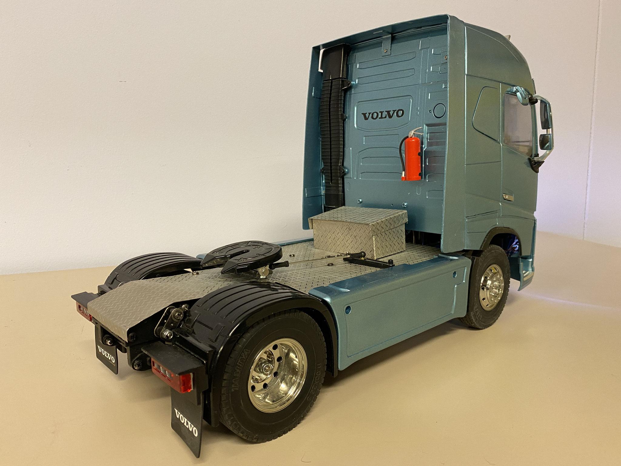 Volvo FH16 Globetrotter 750 6x2 custom Verkocht