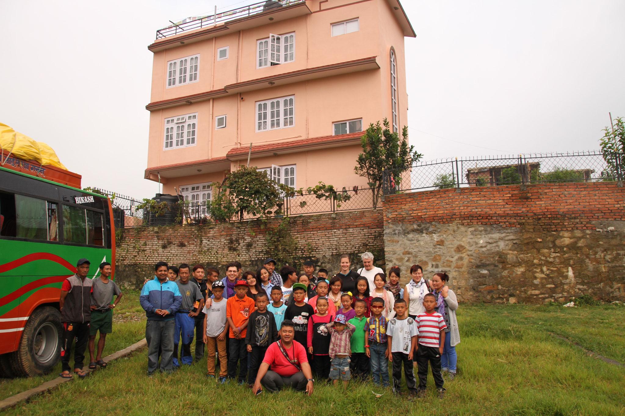 Gruppenfoto vor dem Start der Reise