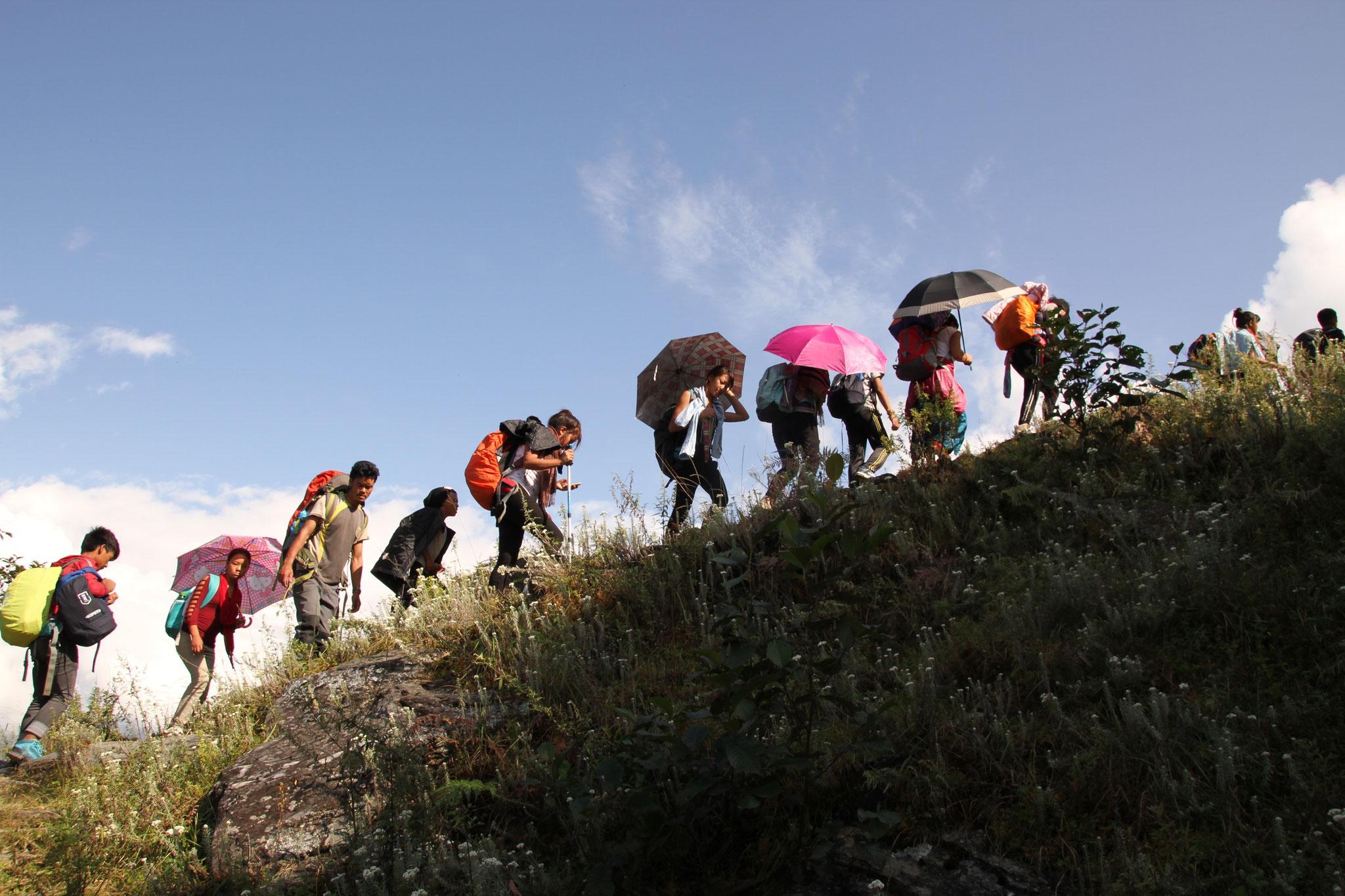 Mühsamer Aufstieg nach Barpak