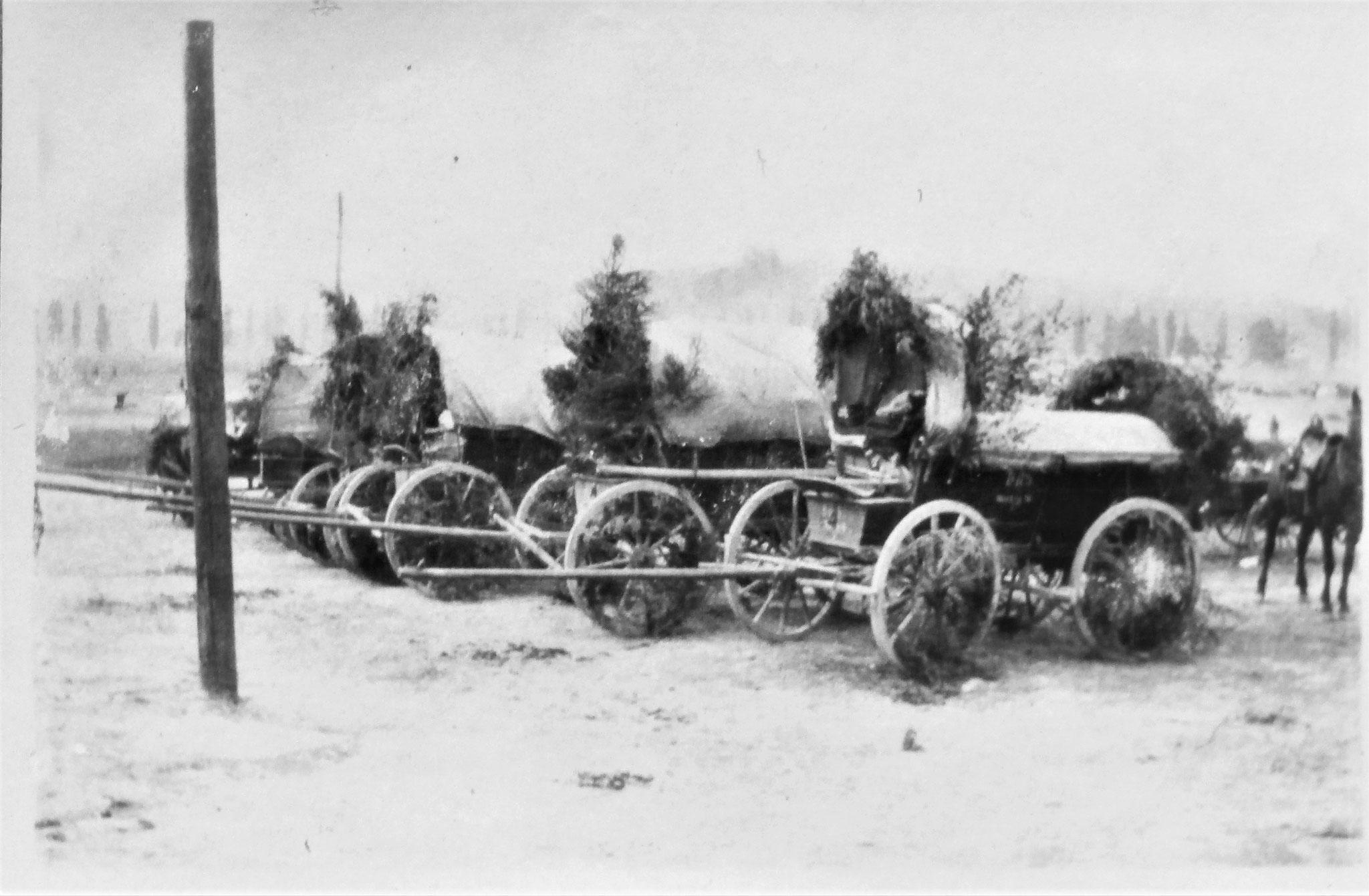 Train der 3. Eskadron beim Bahnhof von Hamona.
