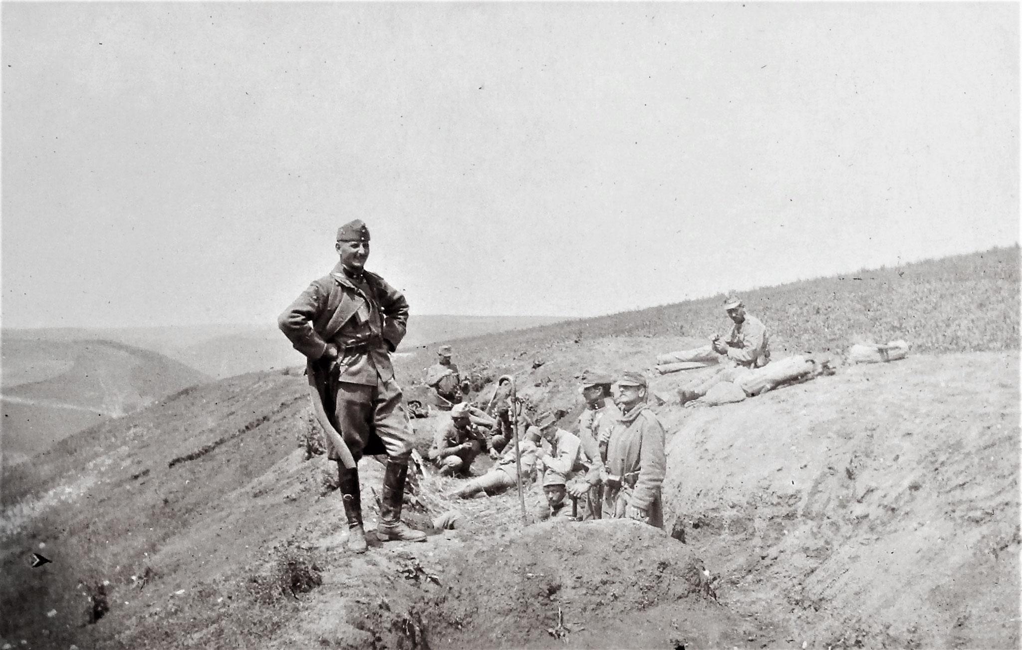 Graben der Reserve des mittleren Feldwachenzugs, Lt. Penka.
