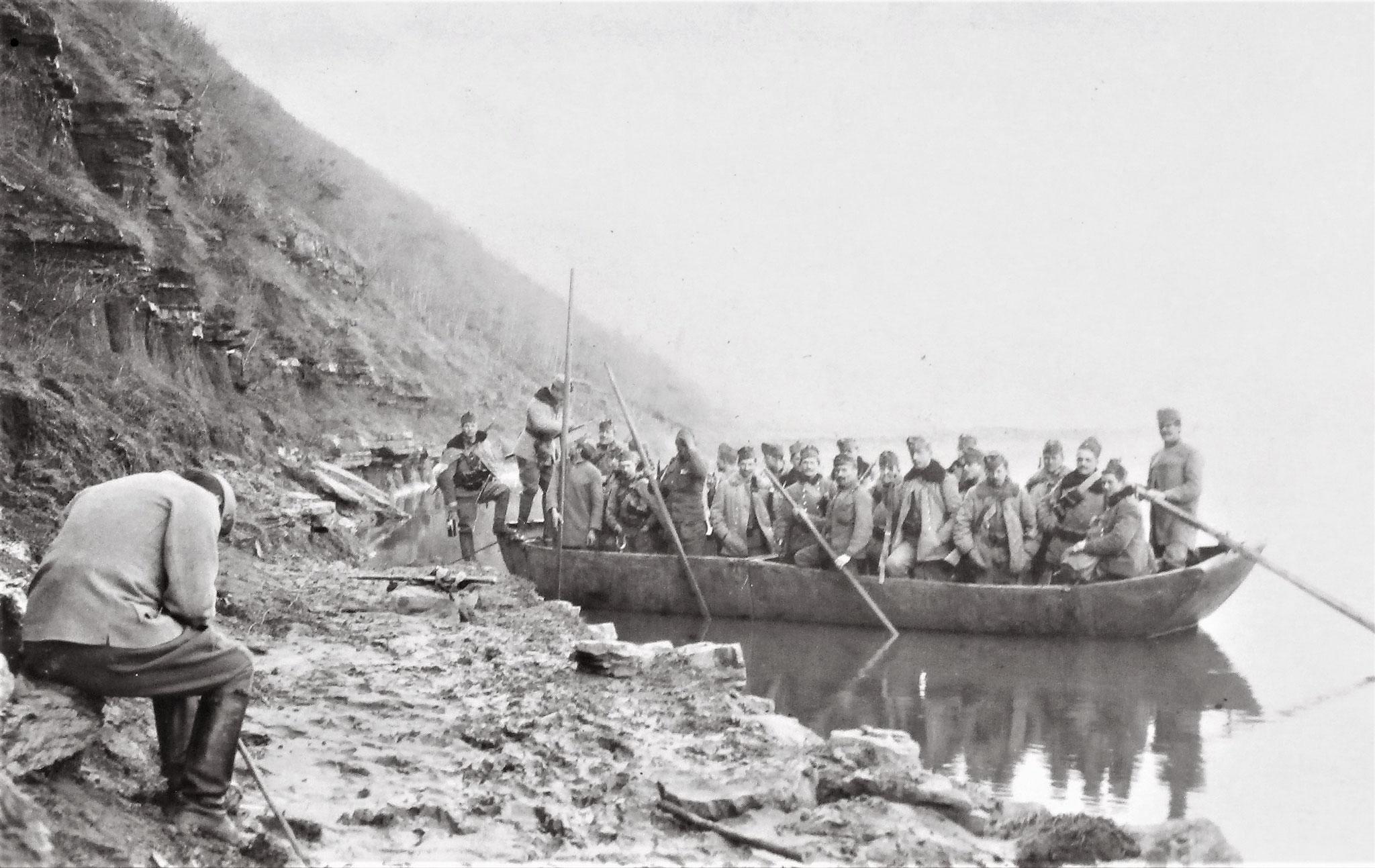Einbooten der Feldwachen am linken Flügel des 4. Zuges.