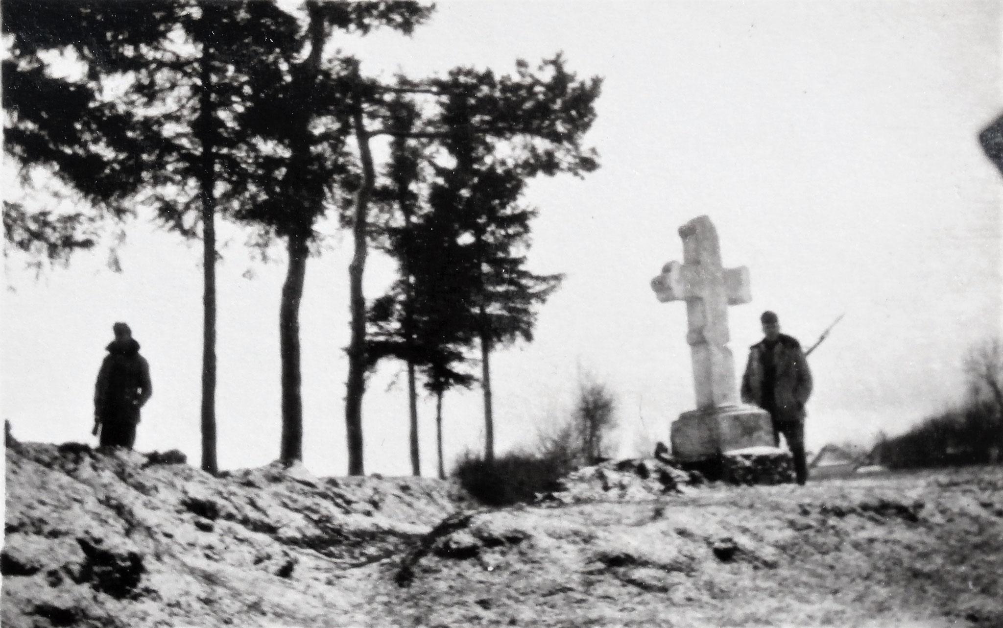 Kreuz nordöstlich der Feldwache 3 bzw. 4.
