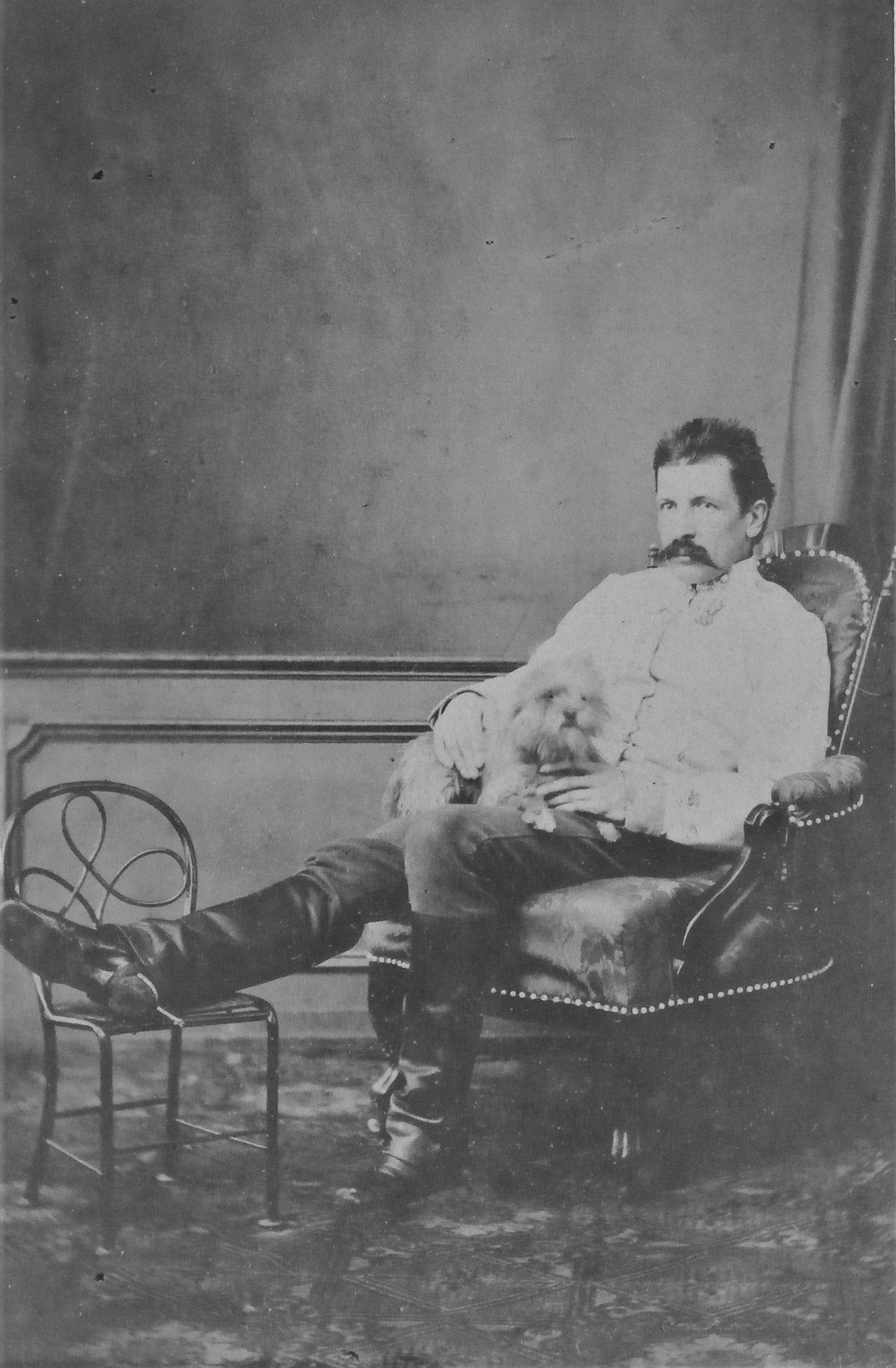 Edmund Krieghammer als Rittmeister des KürRgts Nr 5  zwischen 1859 - 1867.