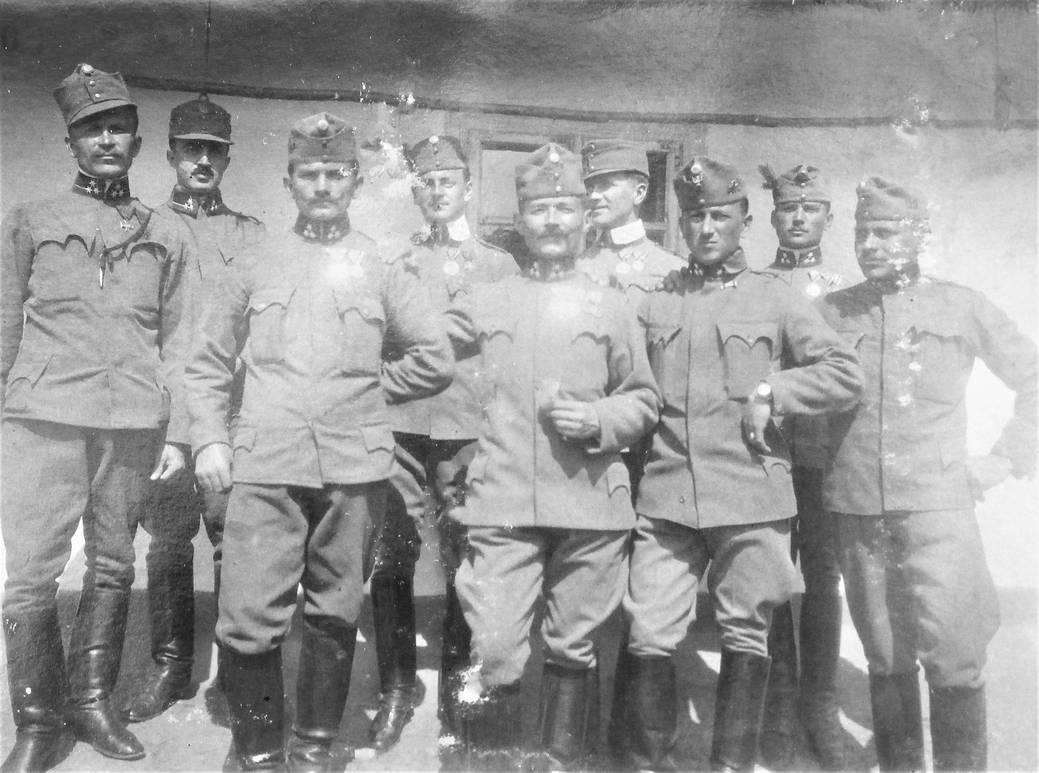 Wachtmeister Fuss-Esk. D5: Kosimic, Stanz (RUO), Telsnig, Czernicky (DfUO), Priversek, Gross, Kastellic (3.), Galgoczy (1.), Zgf Waltl (3.).
