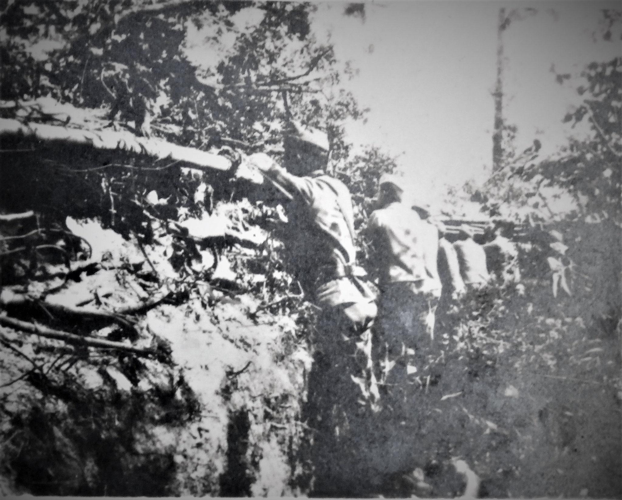 Fwache Nr 11, rechter Verbindungsgraben u. mittlere Kampfstellung; Besetzungsübung.