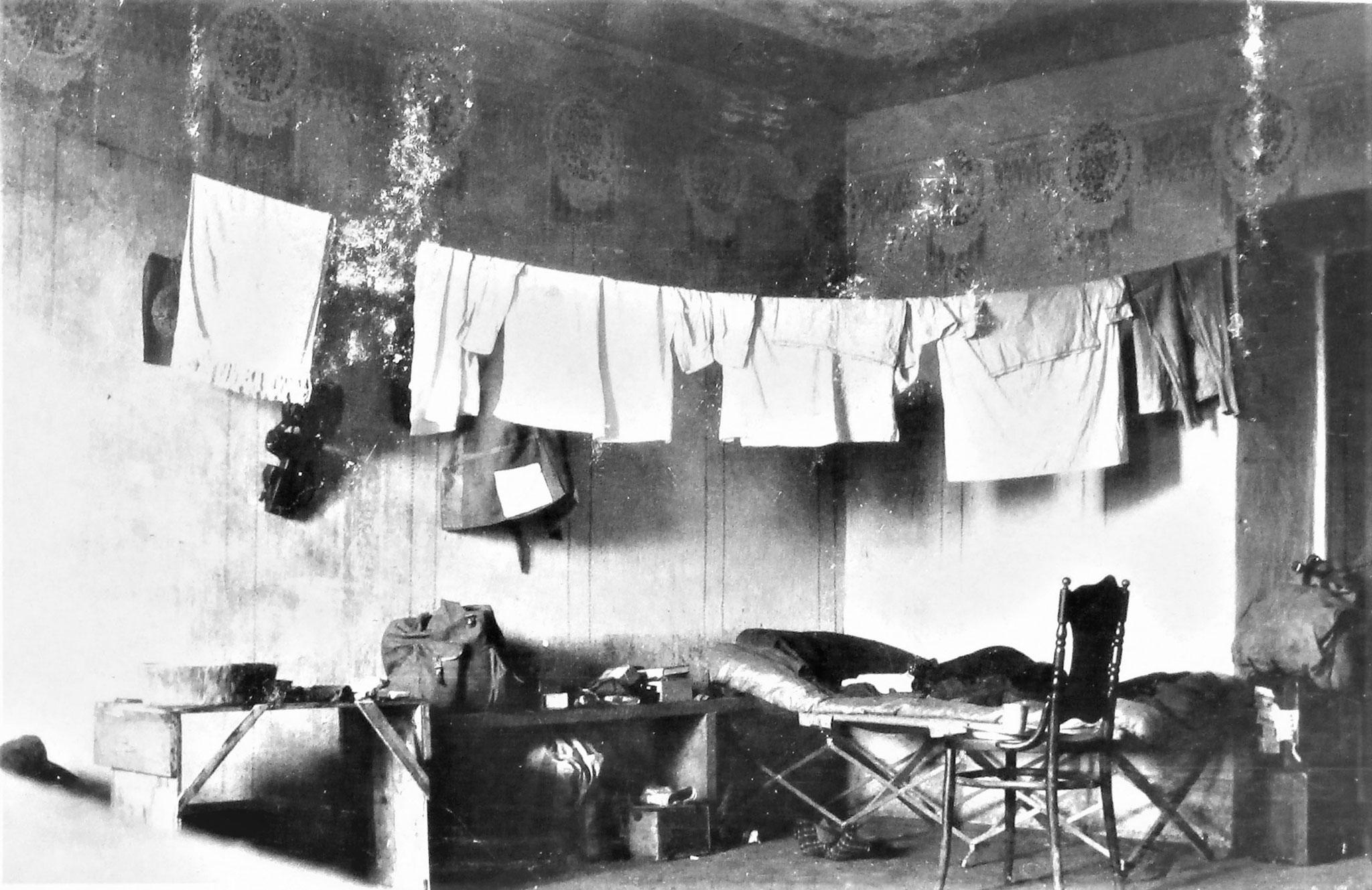 Ecke Sulkowskis in dem Zimmer dieses Meierhofes, das er zusammen mit Zenone bewohnte.