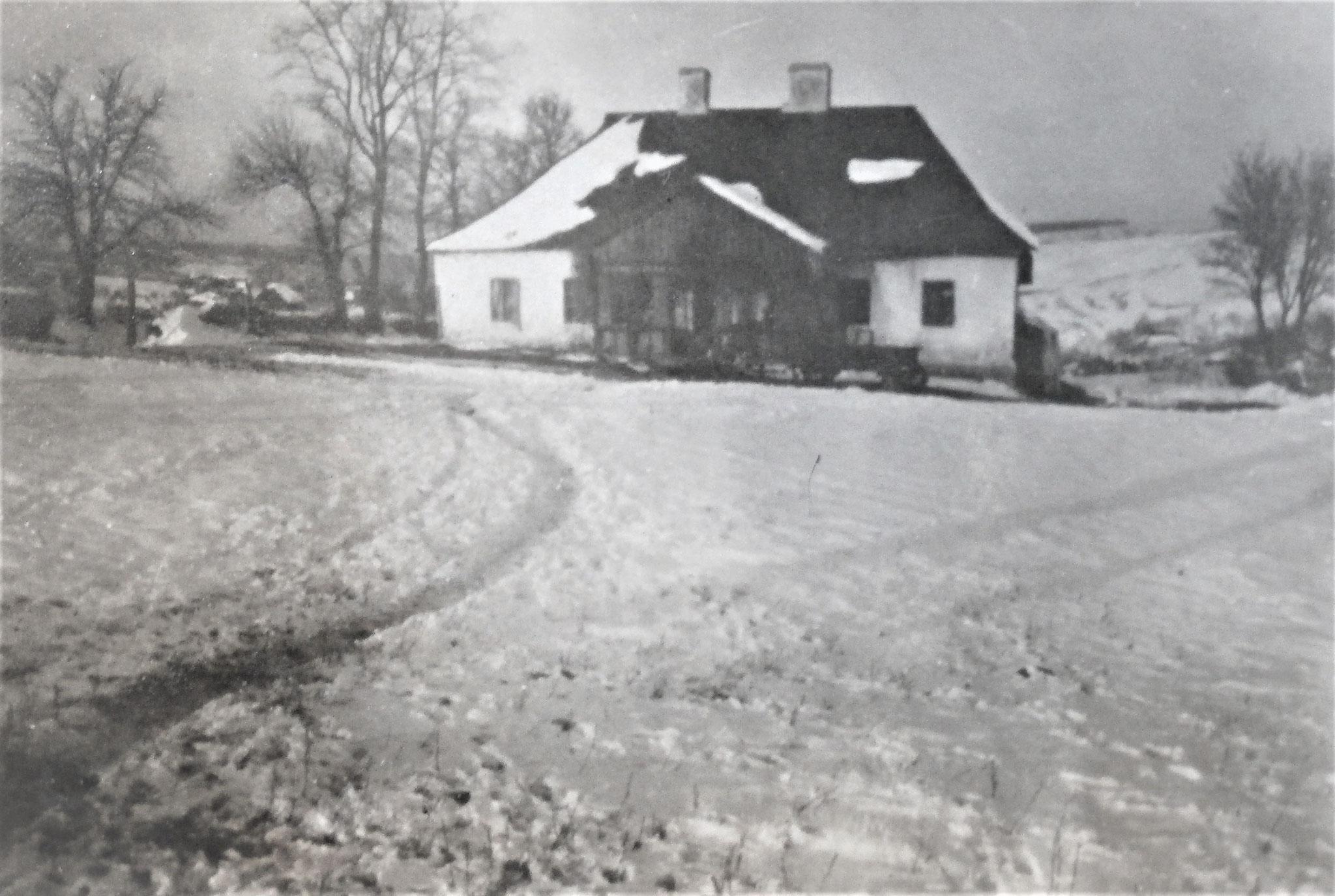 Meierhof-Haus am Südwestende des Ortes, wo die Offiziersmesse der 3. Eskadron war.