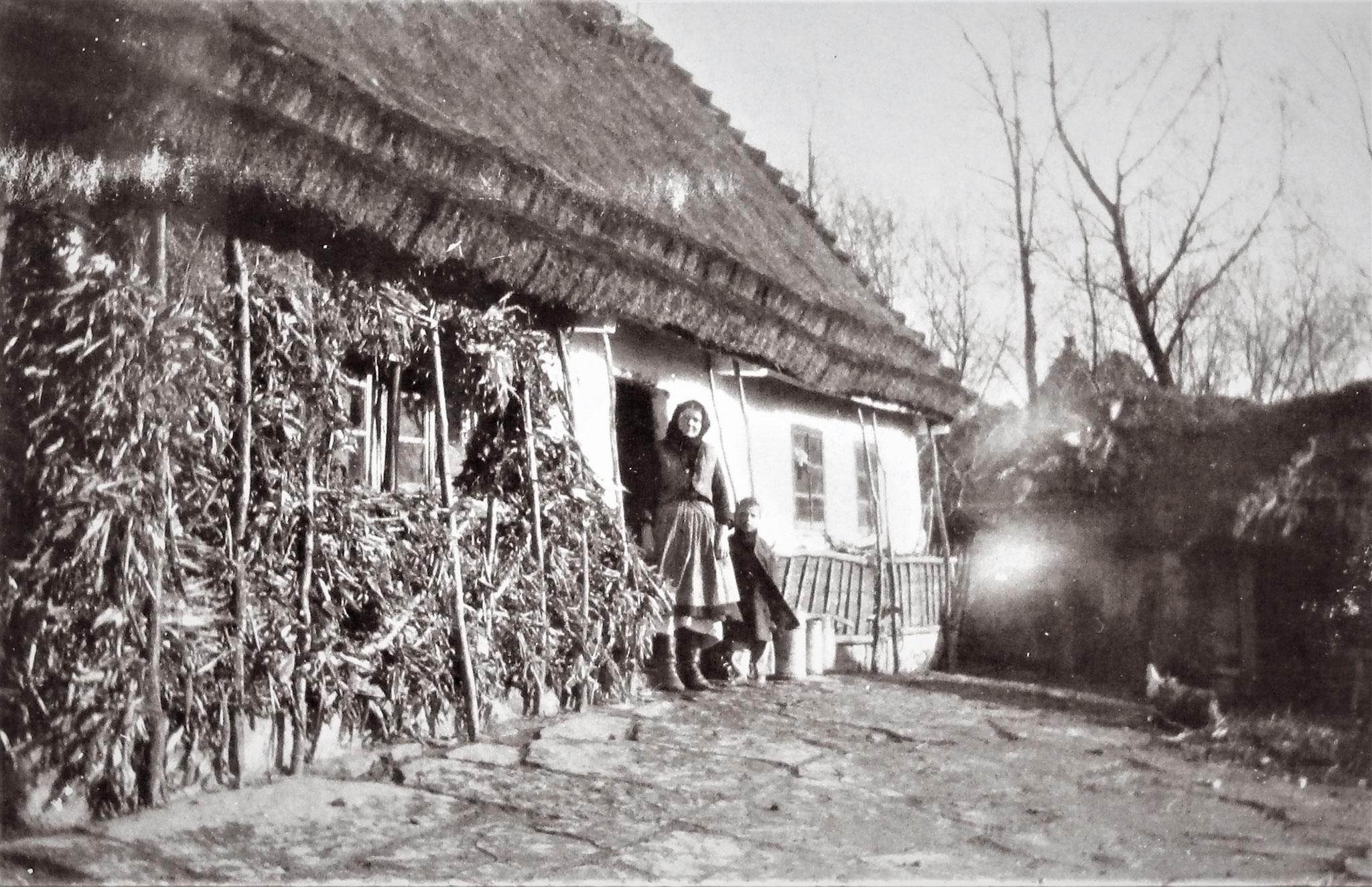 """""""Telefonhaus"""" in Latacz, in dem Telefonstation u. der Kommandant der Vorposten untergebracht waren."""