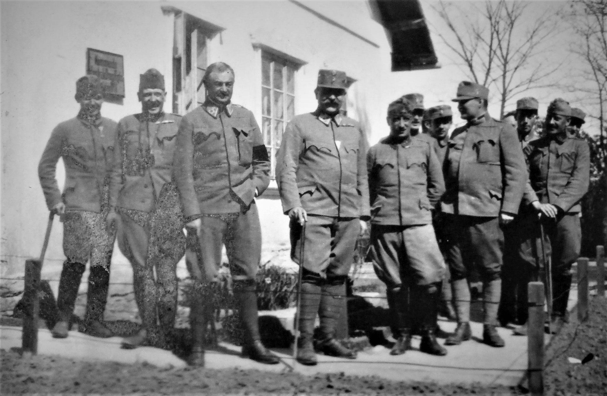 Lt Zanger (D.11), ich, Obst Alberti d'Enno (HR. 11), Oberst Julius Plankh, Mjr Pfannenstiel (RAD 10), Rtm. Riedl (D. 11), Obstlt Hänisch (D.11), Oblt v. Wense (D.11), Rtm. Fanto.