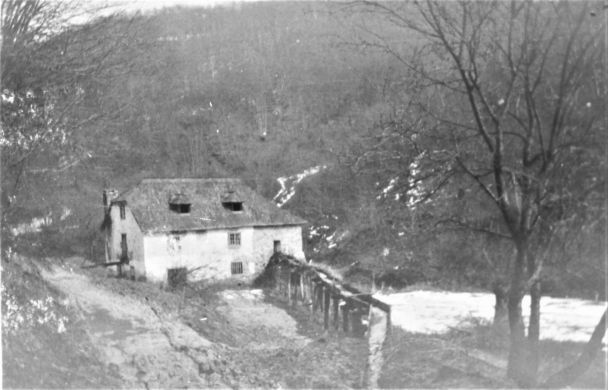 Die sogenannte 3. Mühle, nahe der Mündung, von uns als Hilfsplatz her- u. eingerichtet.
