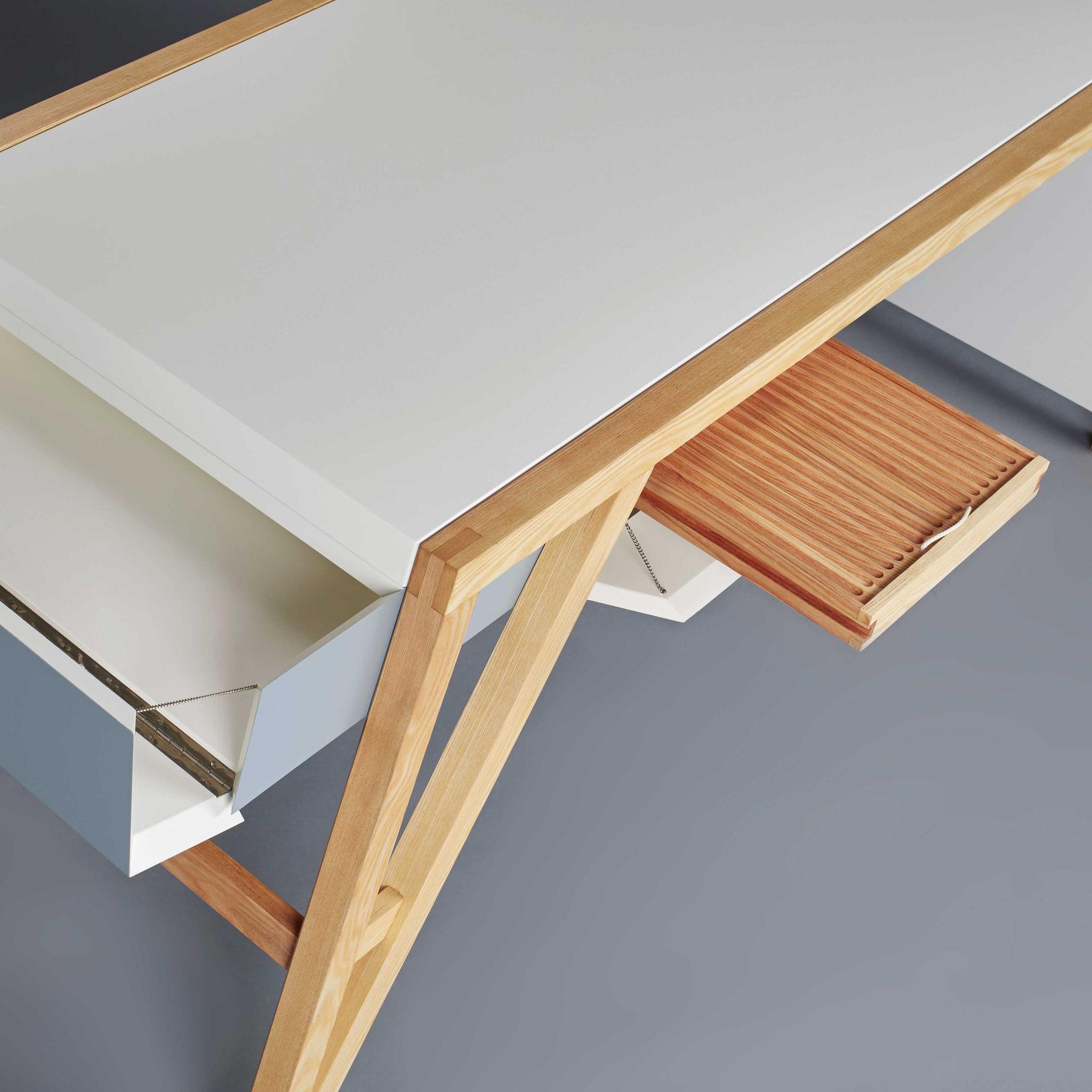 """3. Platz: """"Schreibtisch"""" im Detail von Till Heine (Foto: Thomas Bremmer)"""