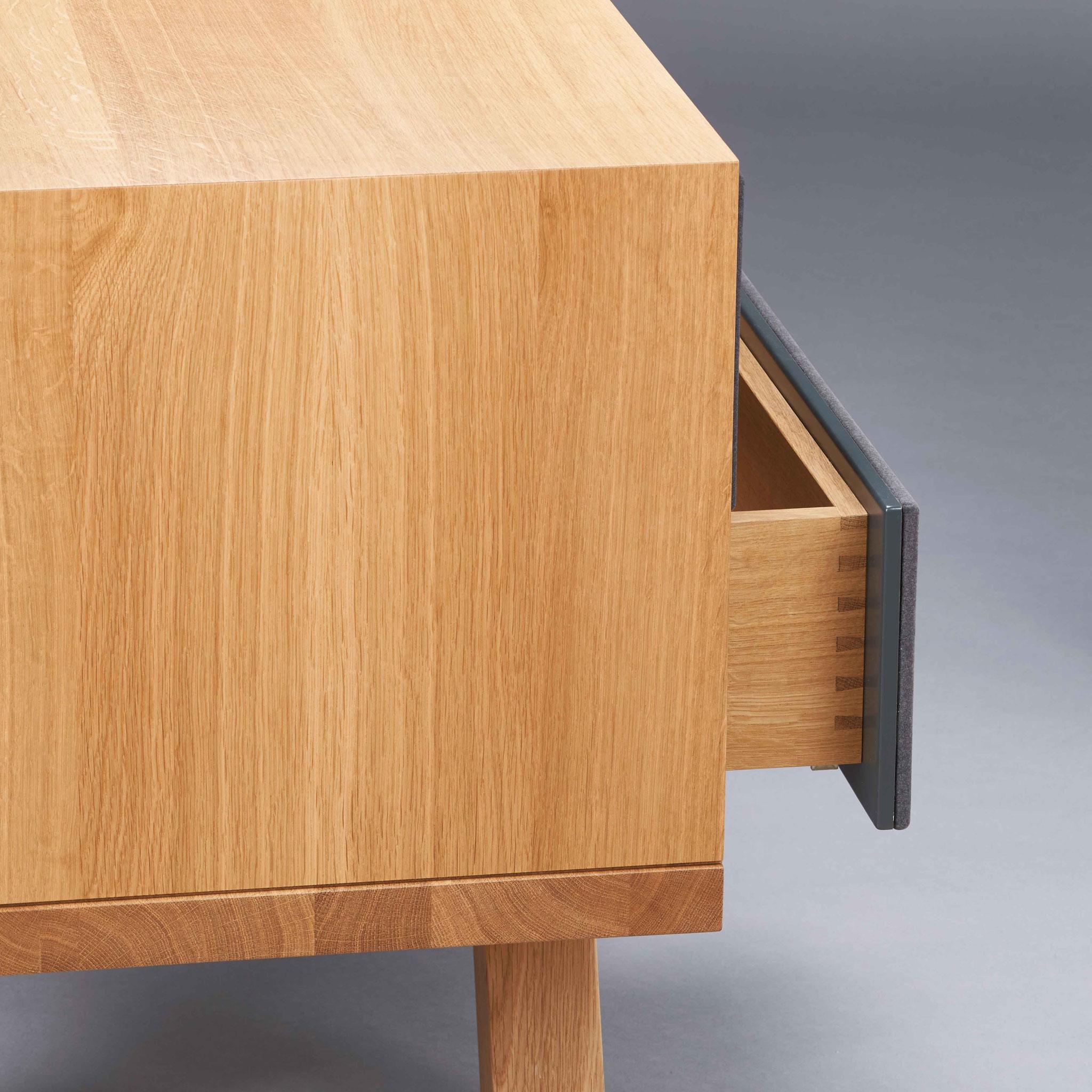"""""""Flurmöbel-Sitzbank"""" im Detail von Gian Luca Schares (Foto: Thomas Bremmer)"""