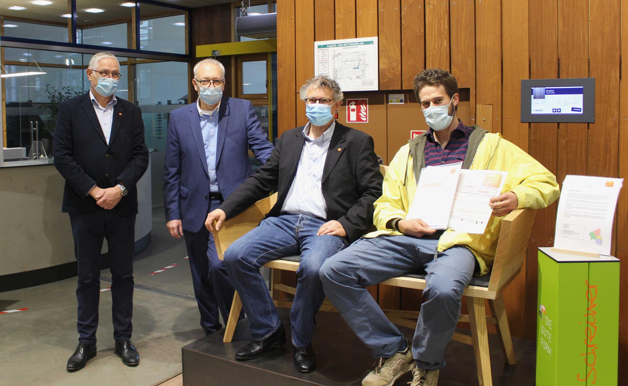 Der zweitplatzierte Josef Pinn (r.) zusammen mit Stefan Zock (2.v.r.), Rainer Adams (l.) und Hermann Hubing (2.v.l.).