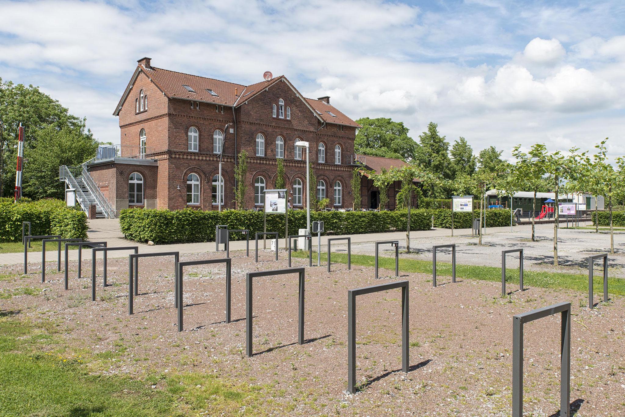 Rosendahl-Darfeld, ehem. Empfangsgebäude am Alleenradweg