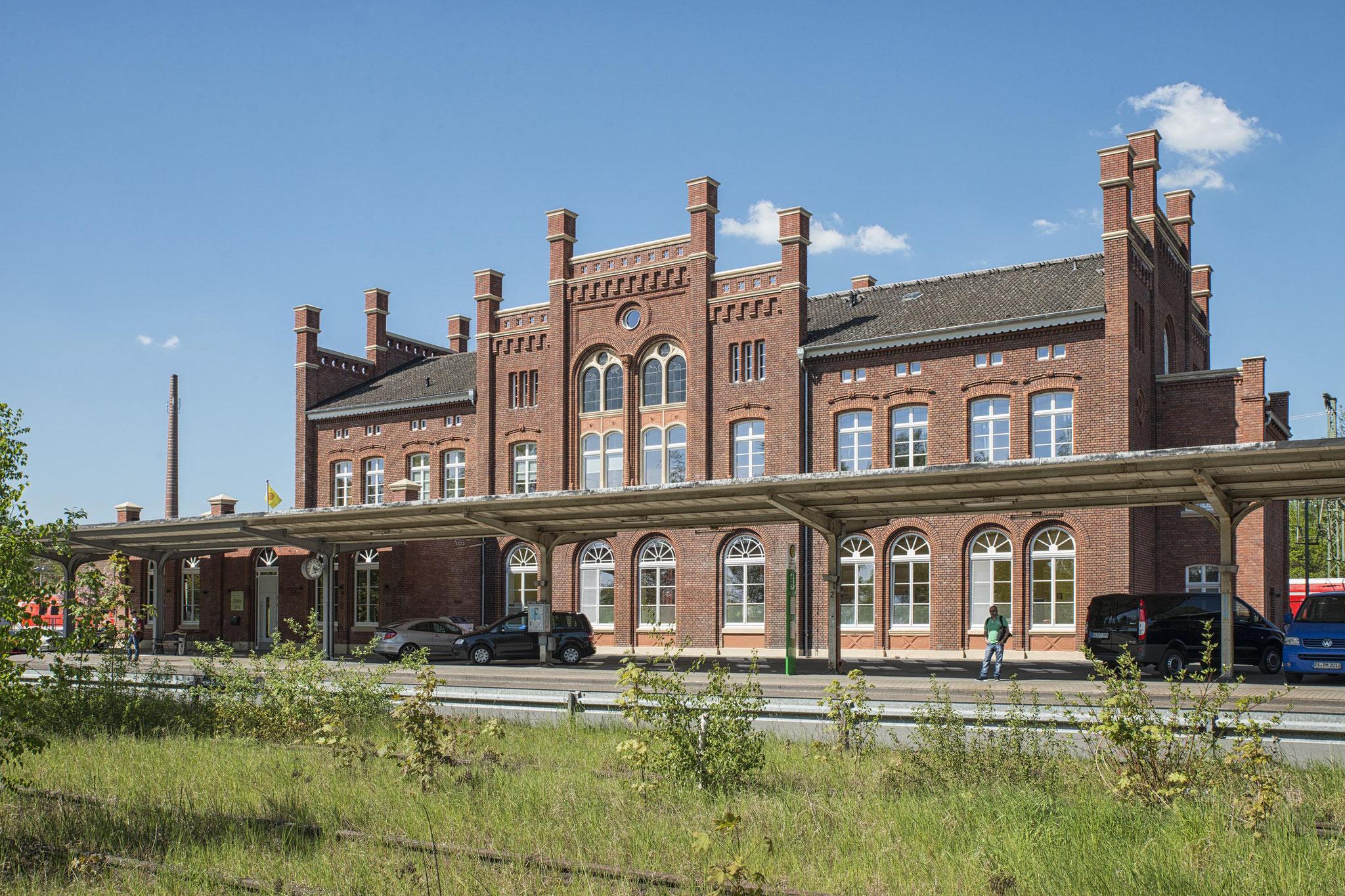 Warburg, Empfangsgebäude