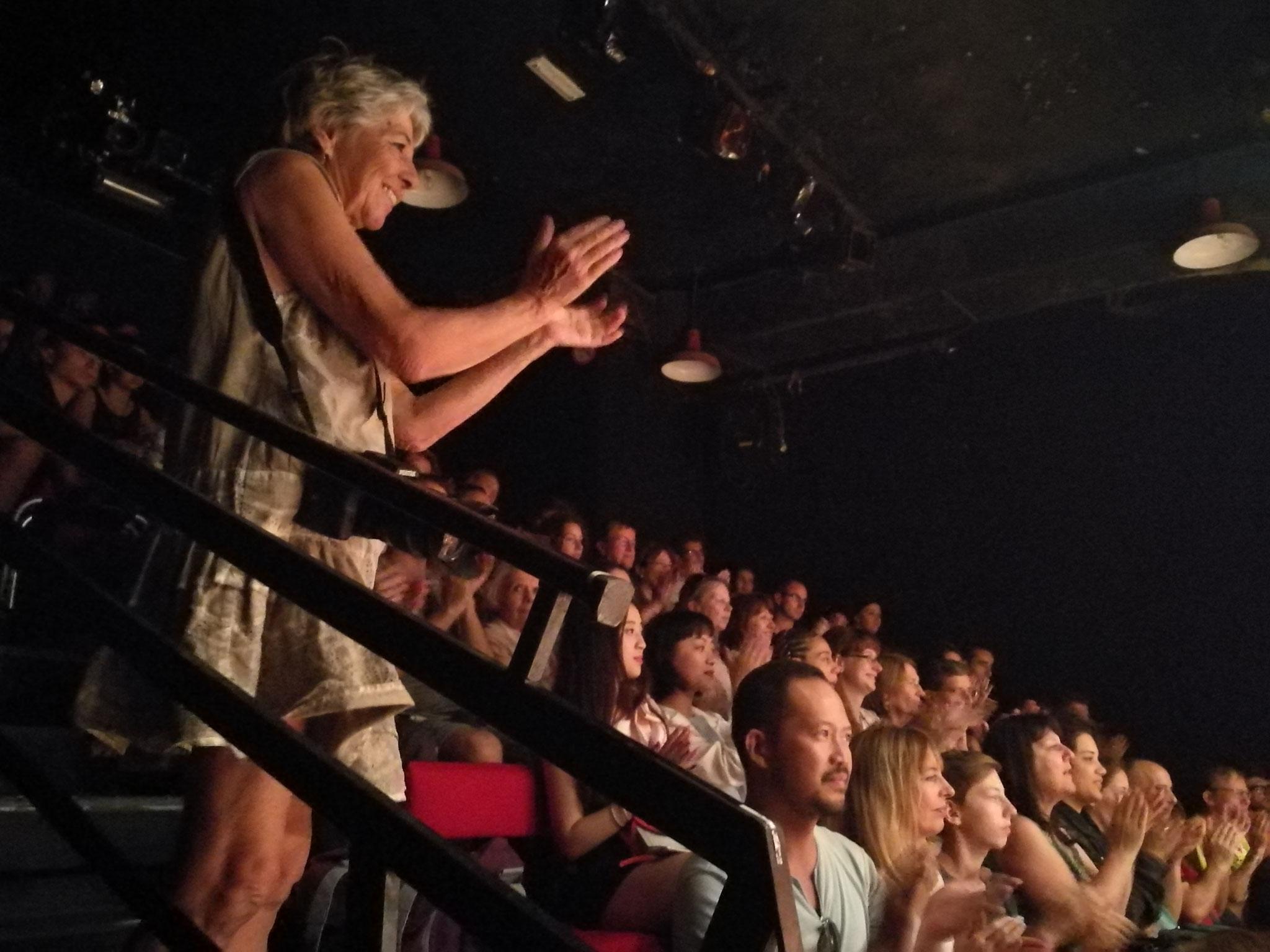 最后谢幕时的观众