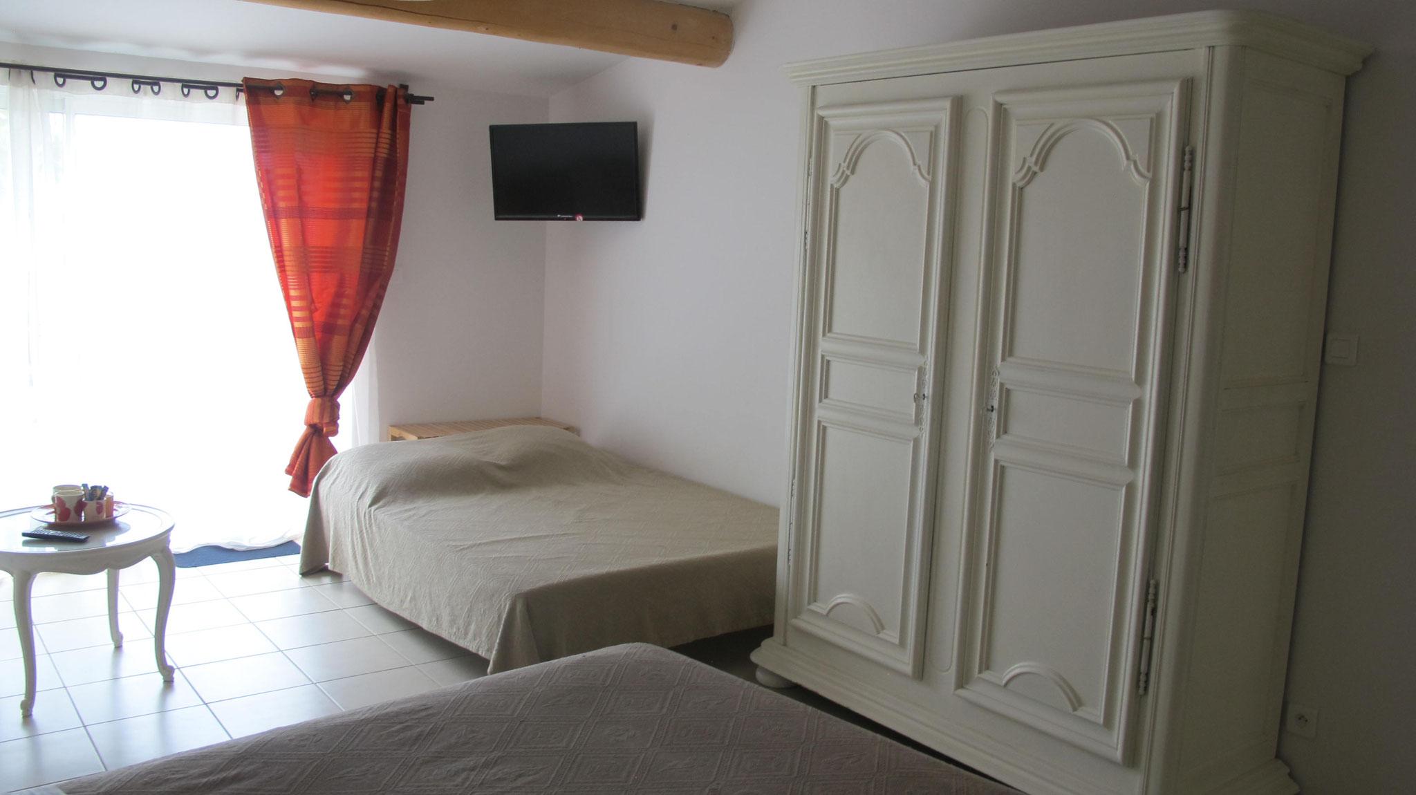 loucardaline-bedoin-ventoux-chambre d hotes-vaucluse-familliale-tout confort