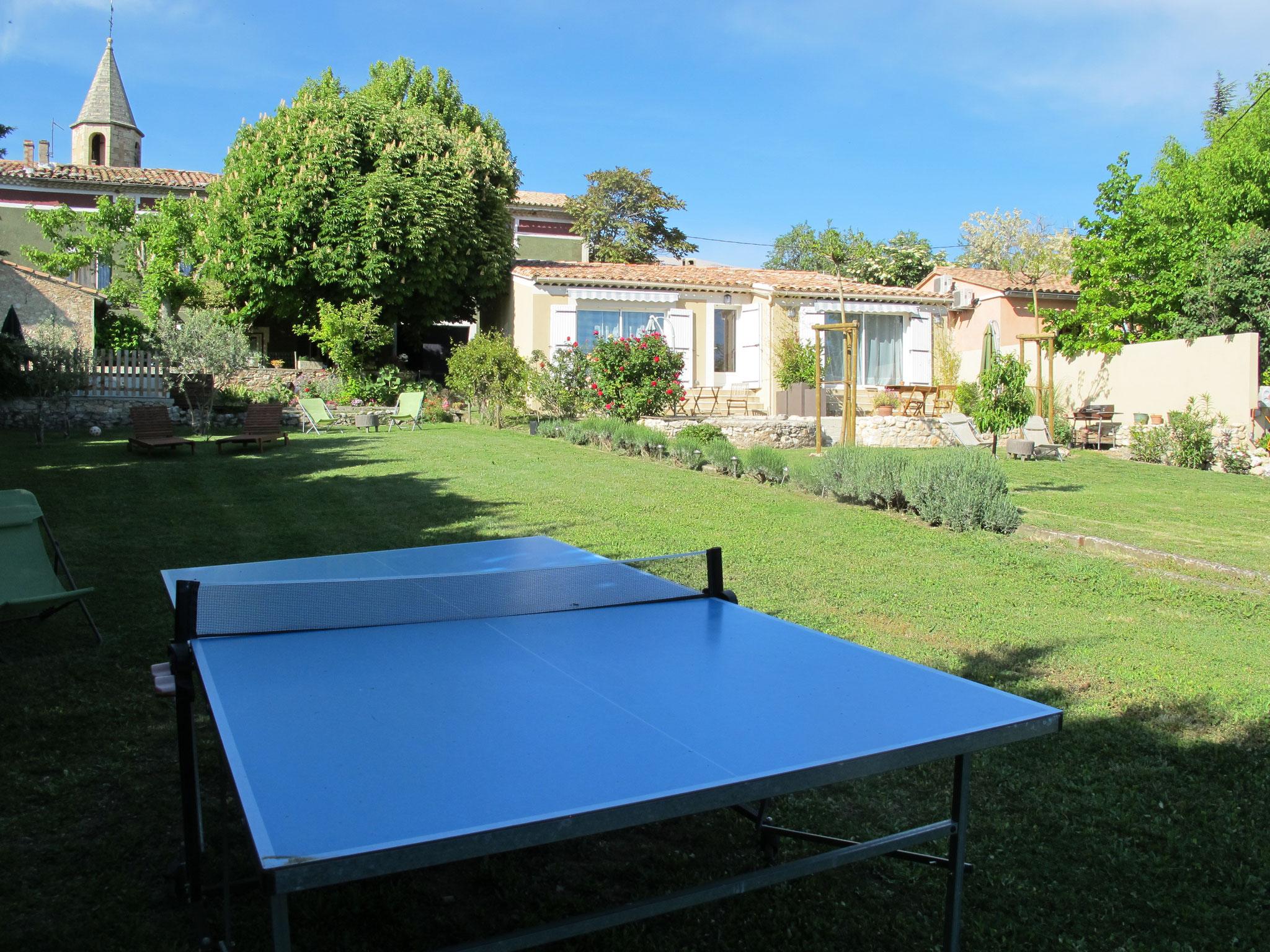 loucardaline-bedoin-ventoux-chambre d hotes-vaucluse-vacances-famille-ping pong-gite