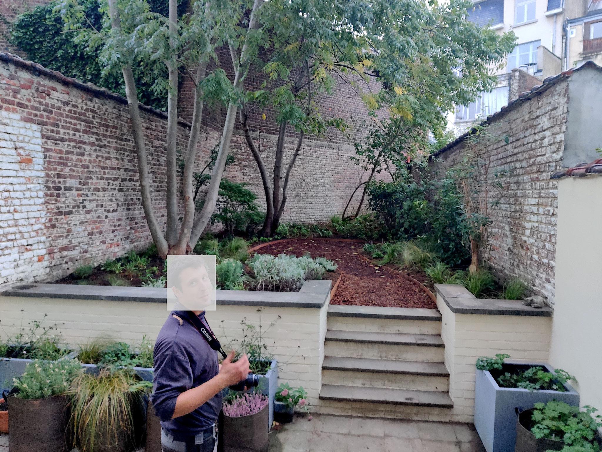 """Jardin de ville 60m2 - Ambiance """"Sous-bois"""" & """"Potager fleuri"""". Aménagement Jardin Bruxelles"""
