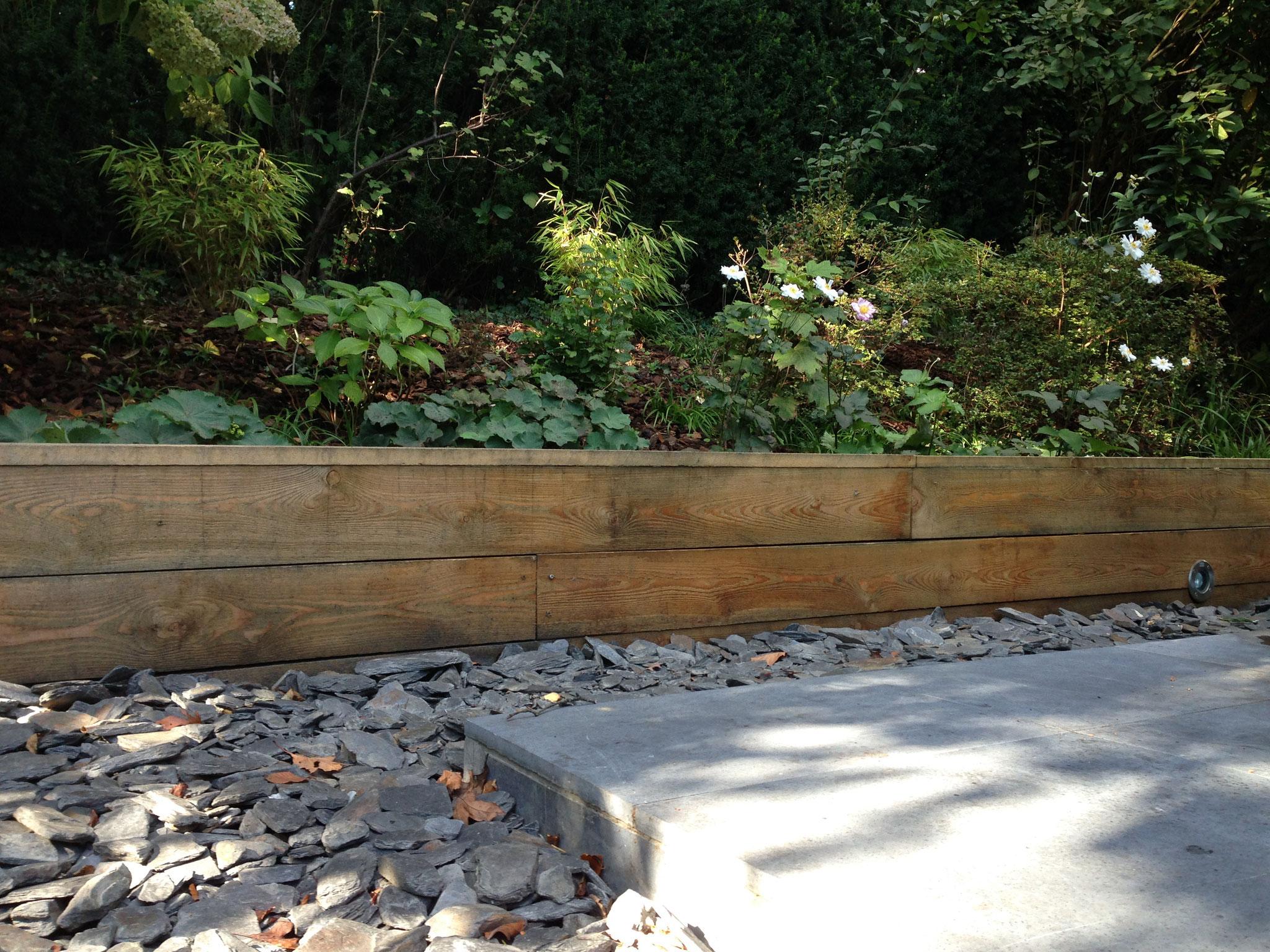 Jardin de 400m2 - Style contemporain - Jardin avant - Pierre bleue/ schiste/ Bois. Amenagement jardin Bruxelles
