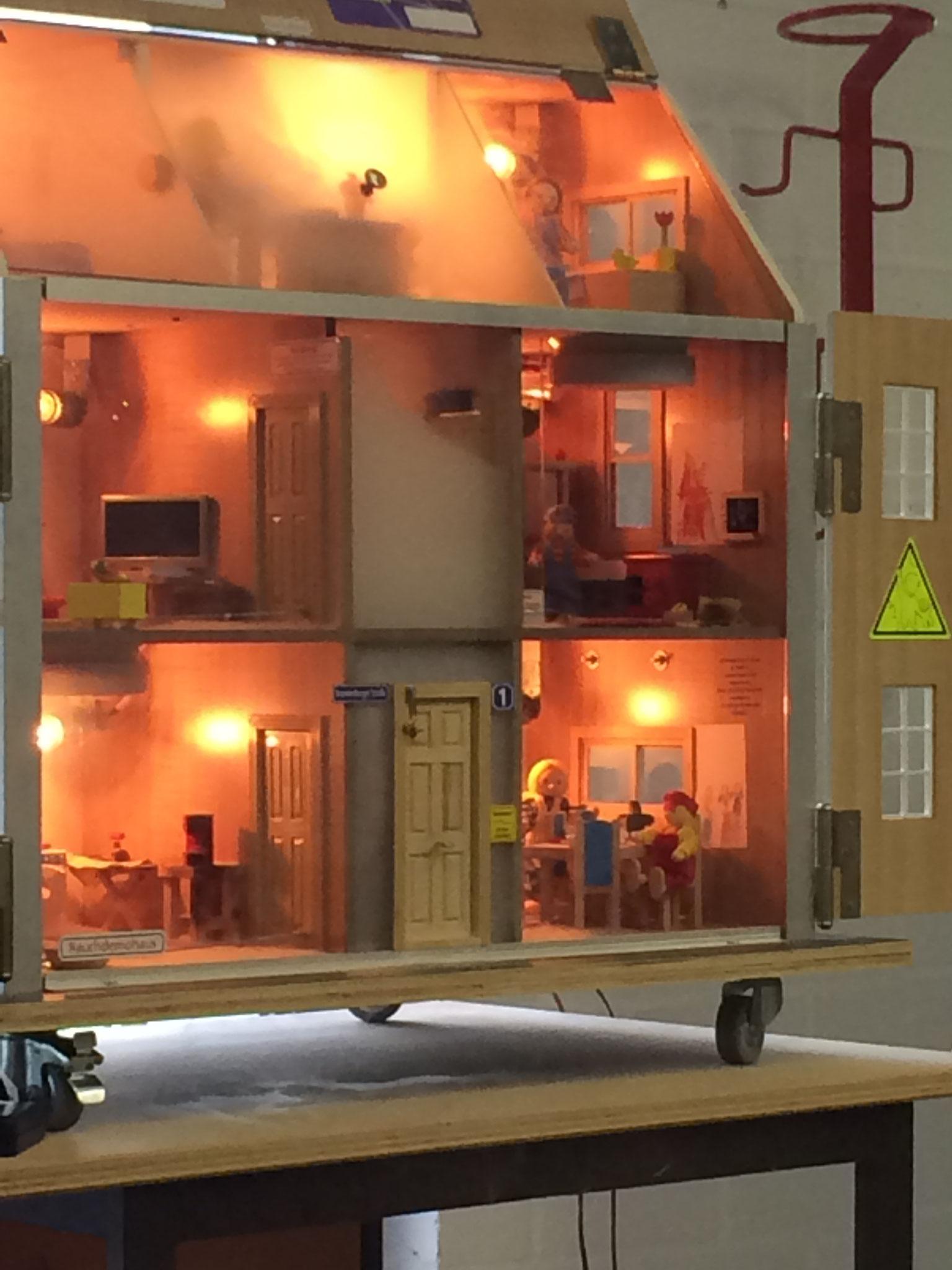 Es brennt im Dachgeschoss!