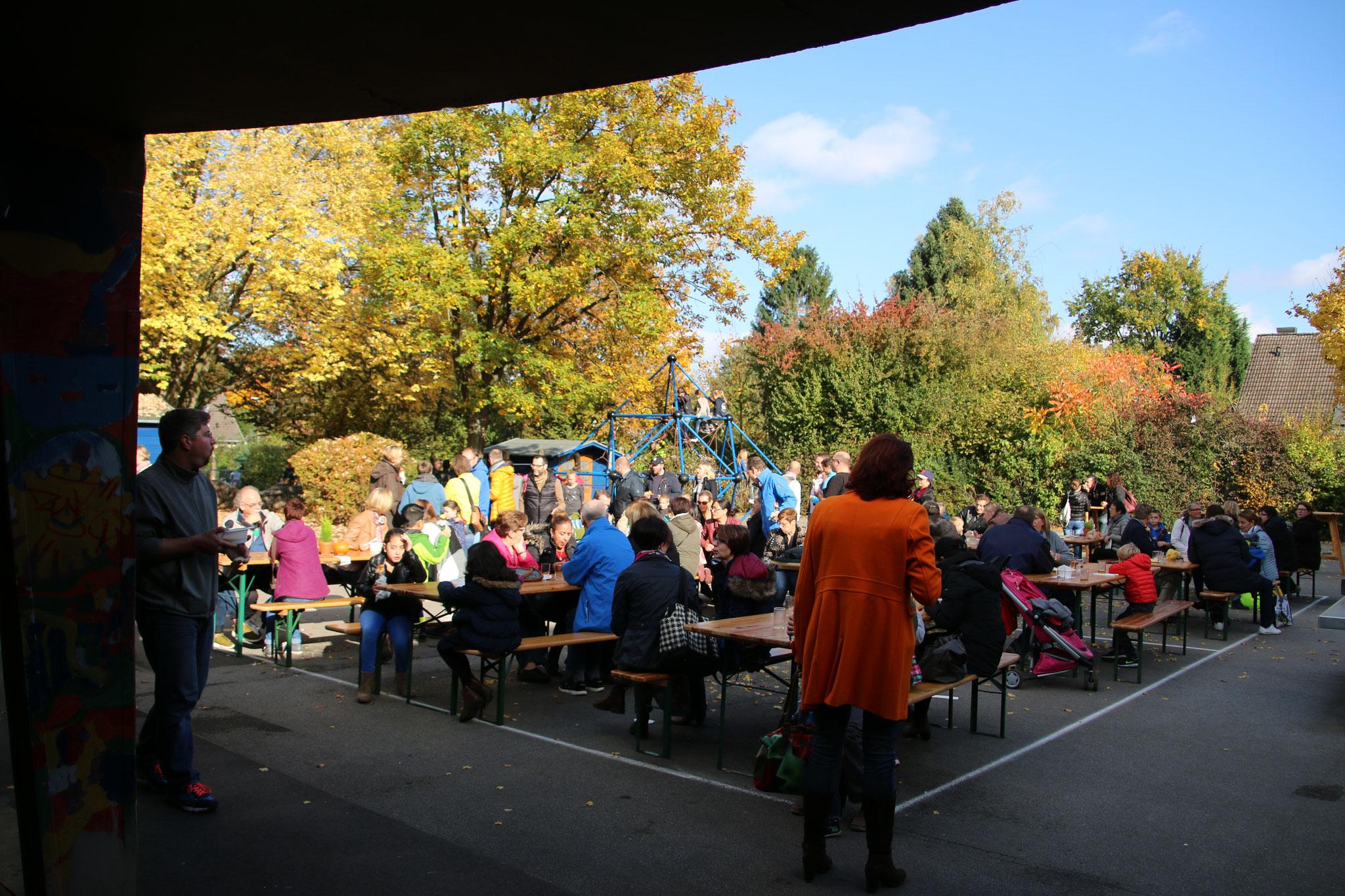 ... und bei bestem Herbstwetter konnten alle die 56. BuFa genießen!