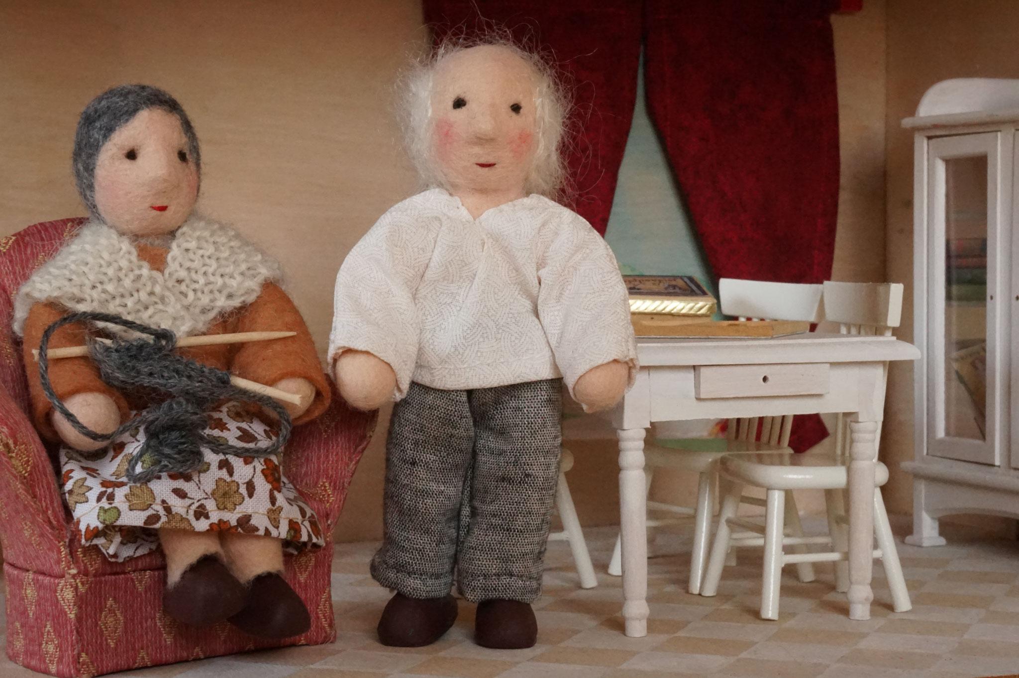 Großeltern Puppenhauspuppe
