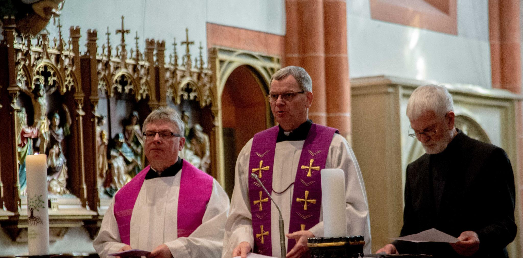 Pfarrer Klaus Leist der Pfarreiengemeinschaft  St.Wendel;   Generalvikar des Bistums Trier, Dr. Ulrich Graf von Plettenberg;  Pfarrer i.R. Gerhard Diercks