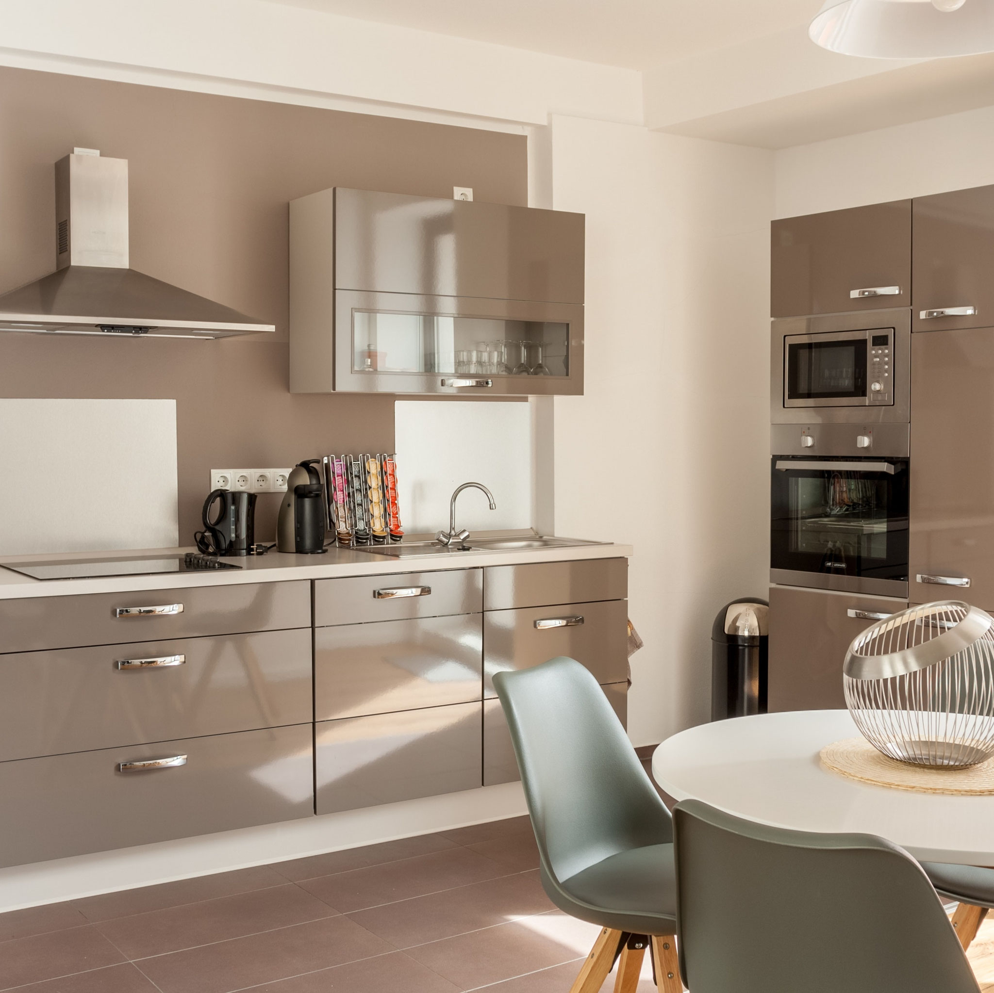 Ferienwohnung Schwerin - Wohnzimmer mit Relaxsessel