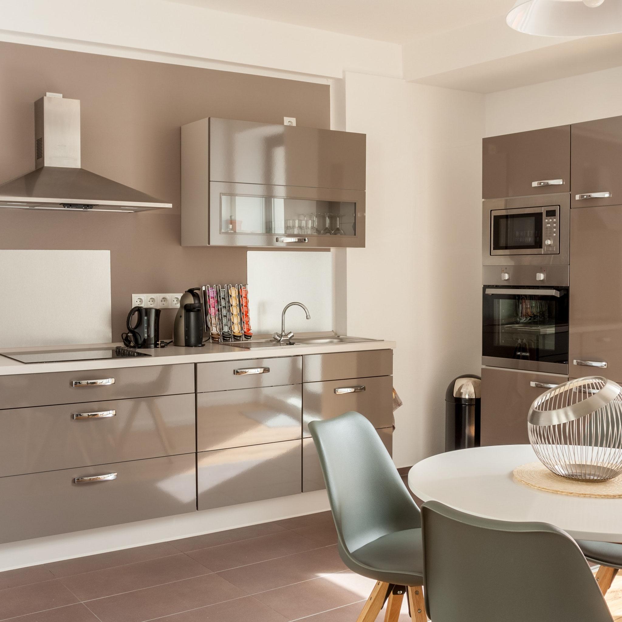 Ferienwohnung Schwerin - Küche mit Essbereich