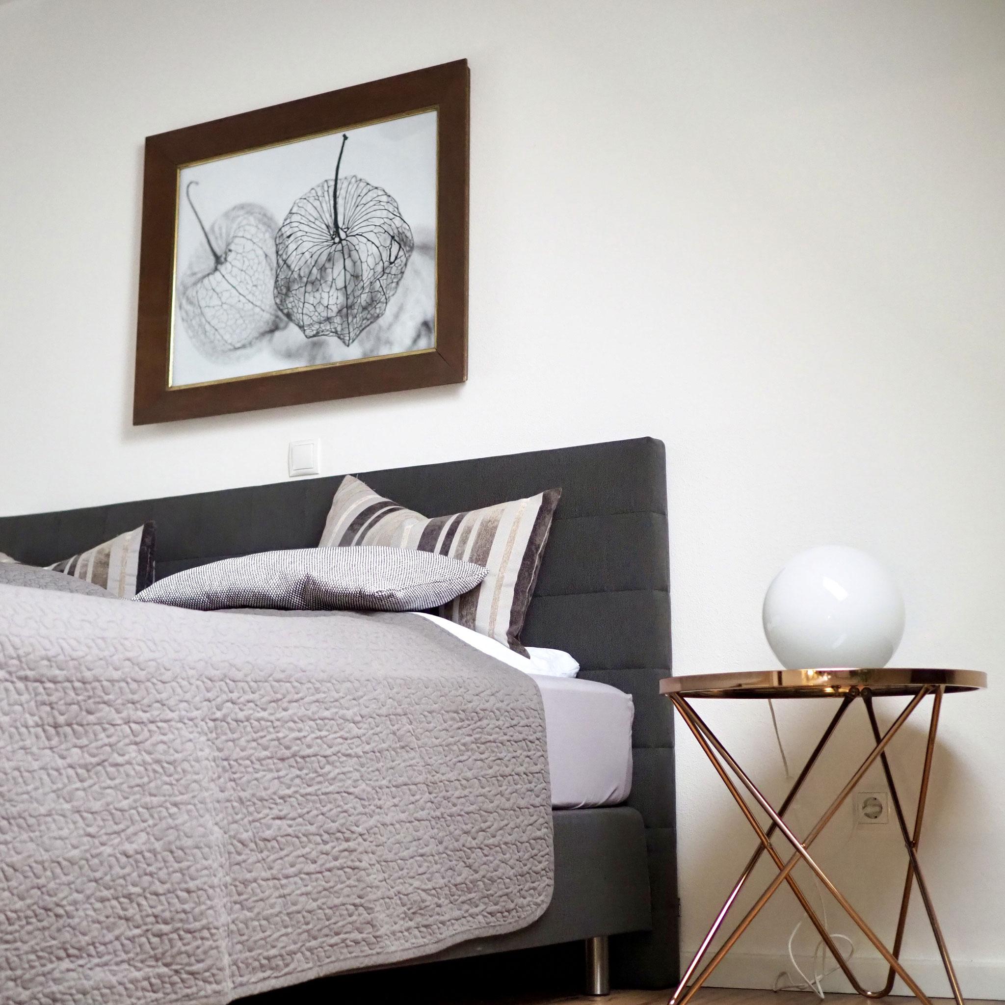 Ferienwohnung Schwerin - Schlafzimmer mit Boxspringbett