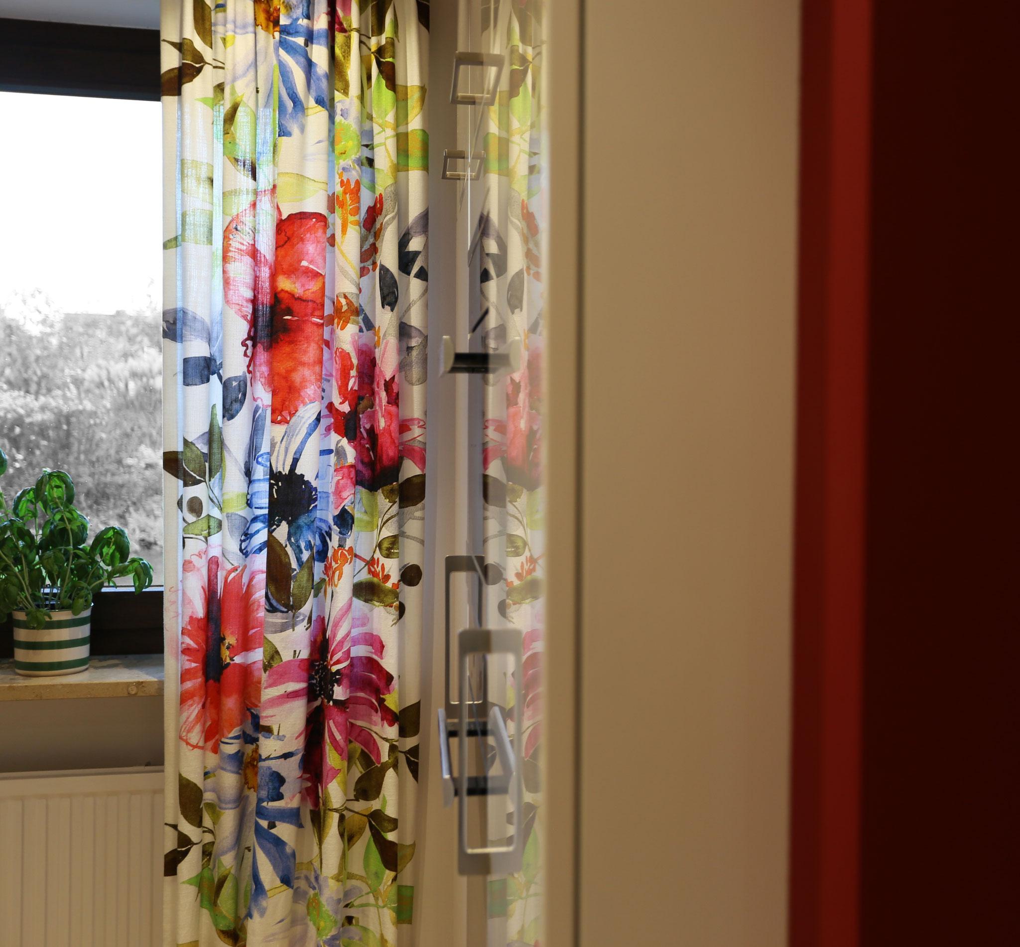 Flowerpower Mitten in der Küche
